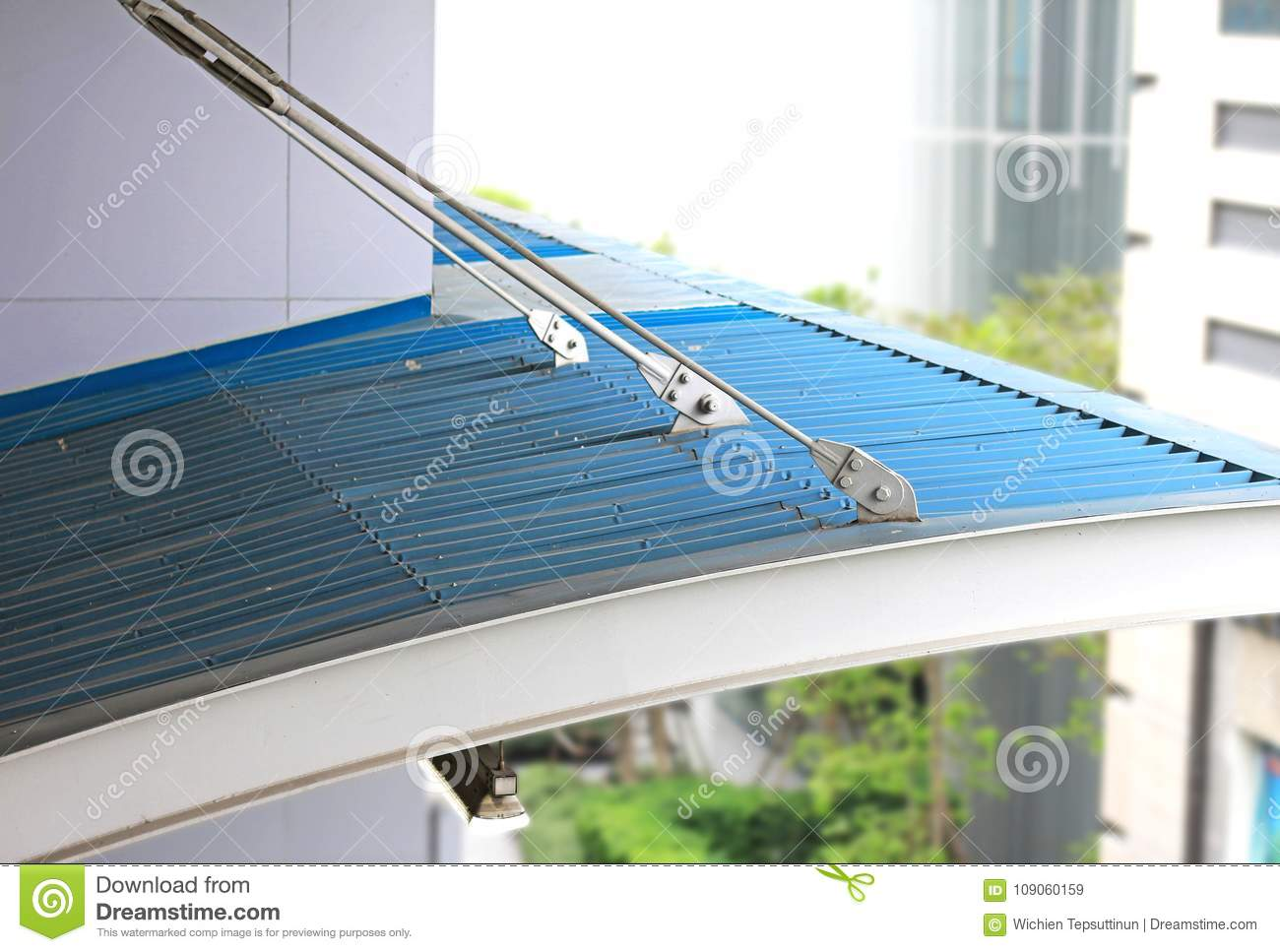 Tension Rods For Suspension Roof Stock Image Image Of