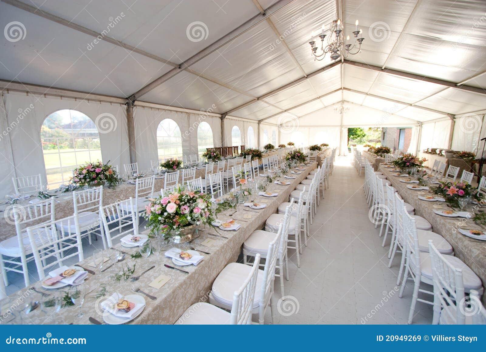 tente de mariage image stock image du blanc v nement 20949269. Black Bedroom Furniture Sets. Home Design Ideas