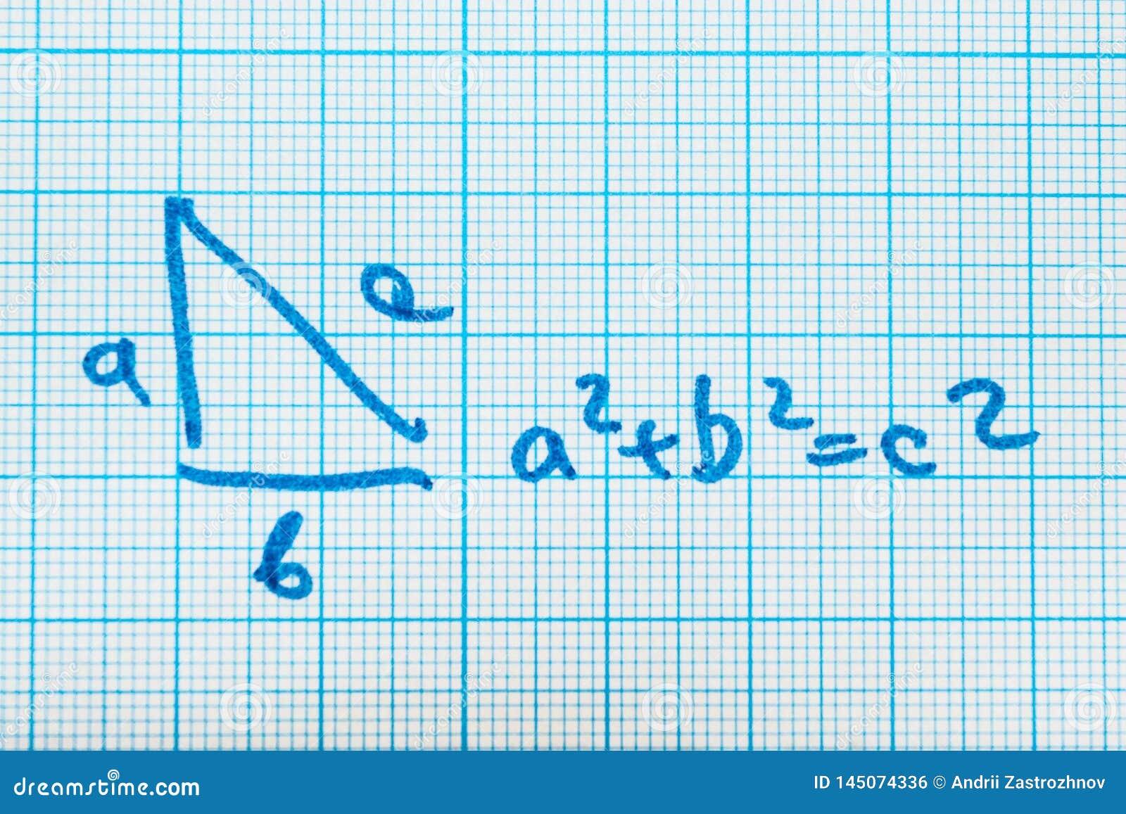 Teorema pitagorico Un esempio matematico con un modello del triangolo