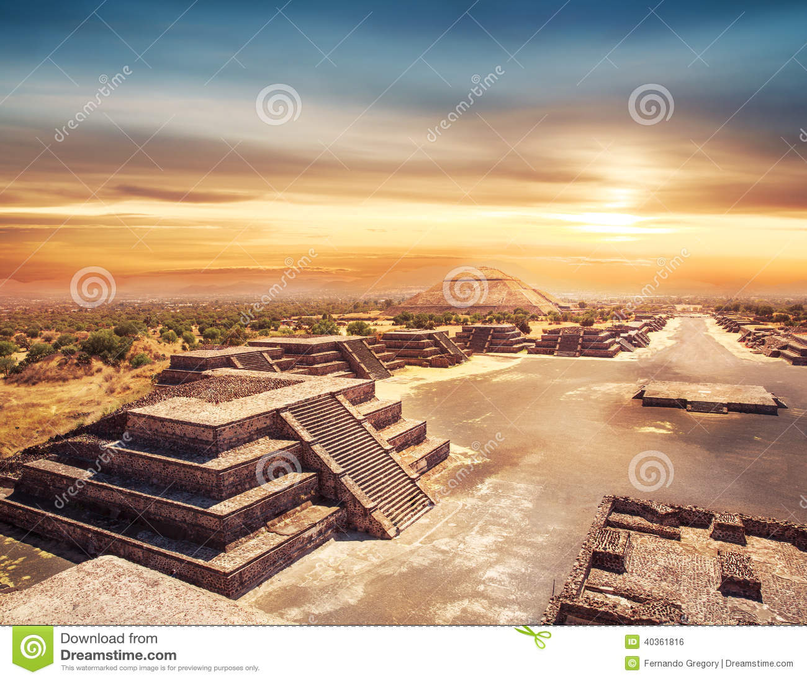 teotihuacan le mexique pyramide du soleil et l 39 avenue du de photo stock image 40361816. Black Bedroom Furniture Sets. Home Design Ideas