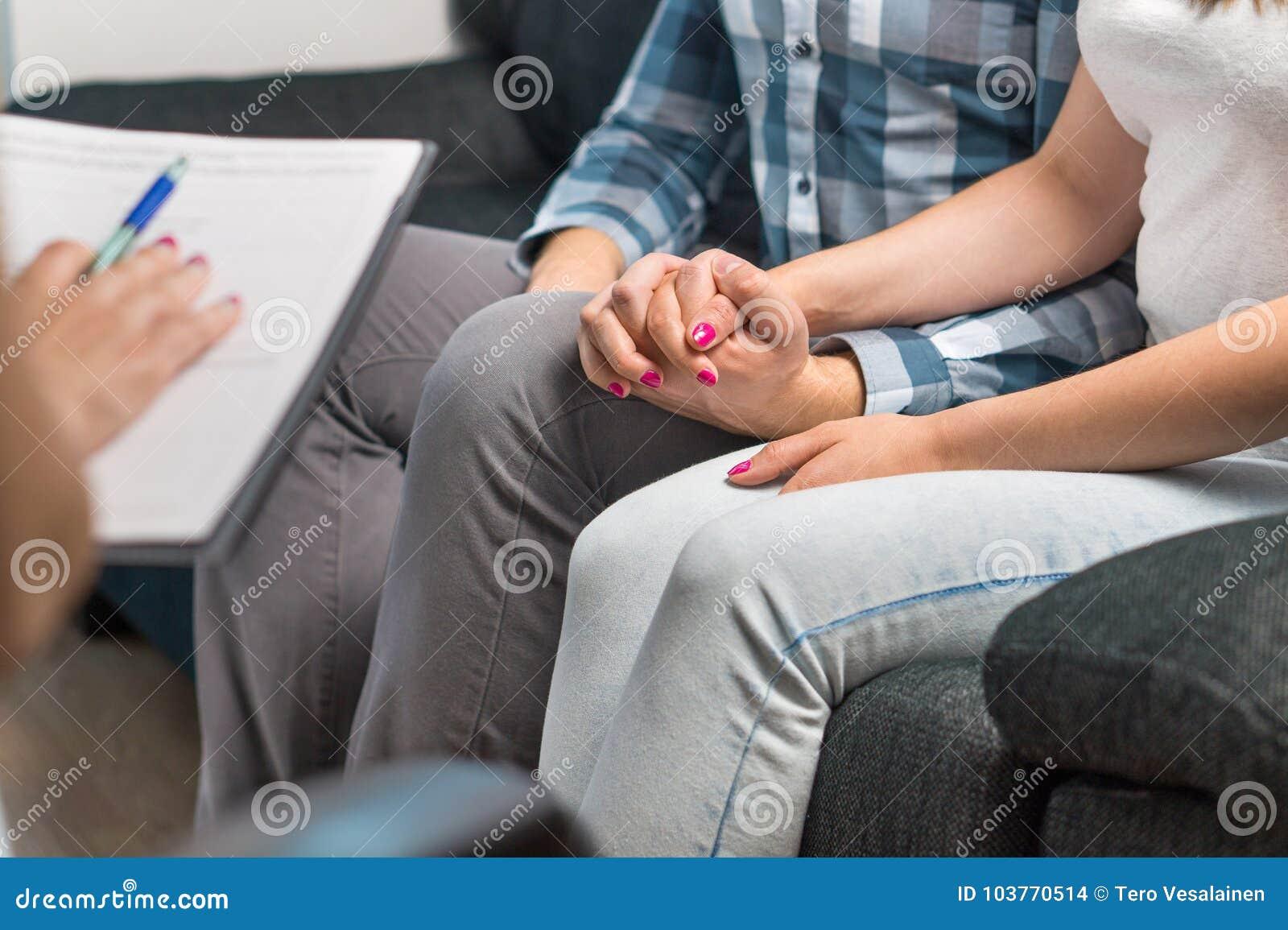 Terapia delle coppie o consiglio di matrimonio