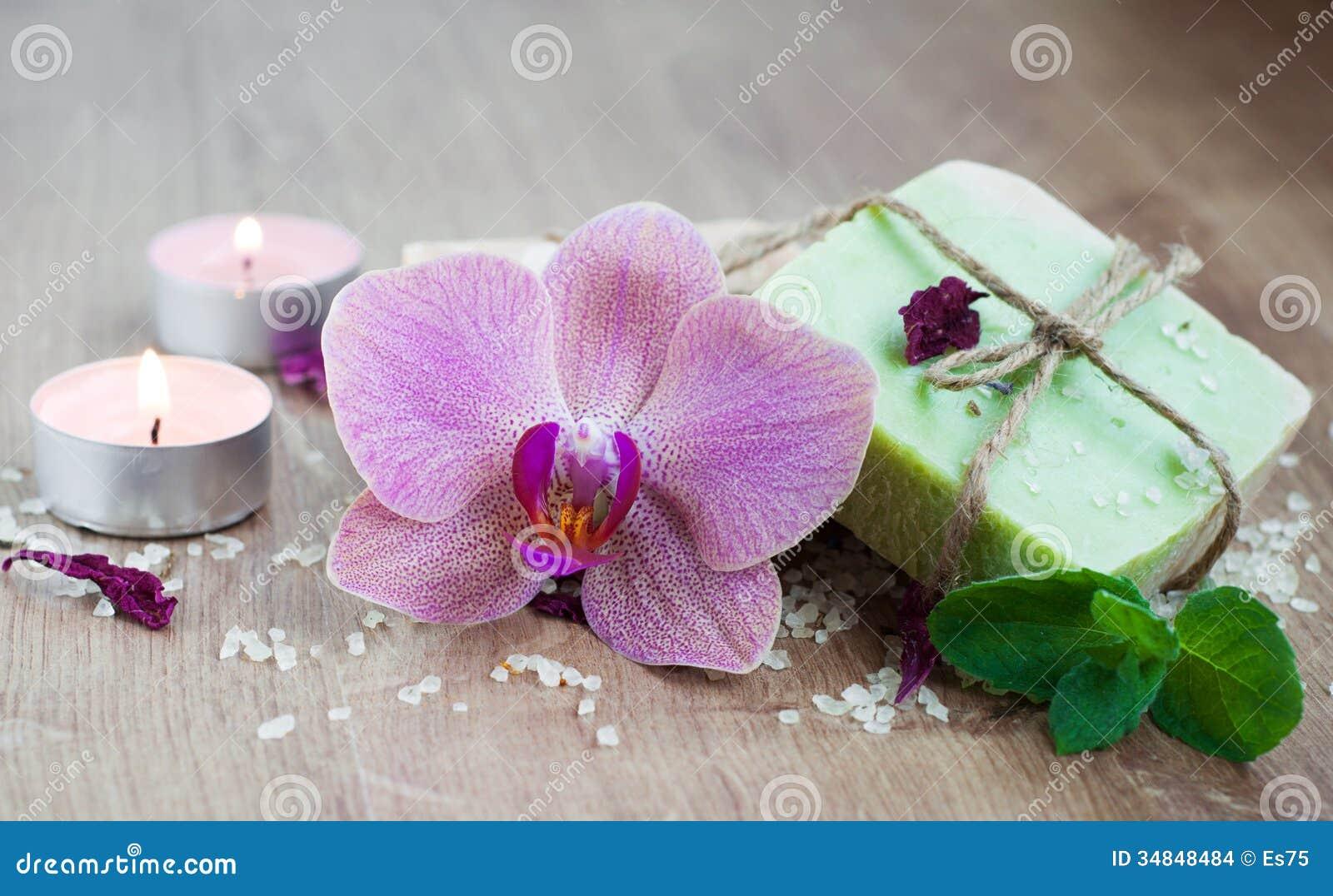 Termas ajustados com orquídeas