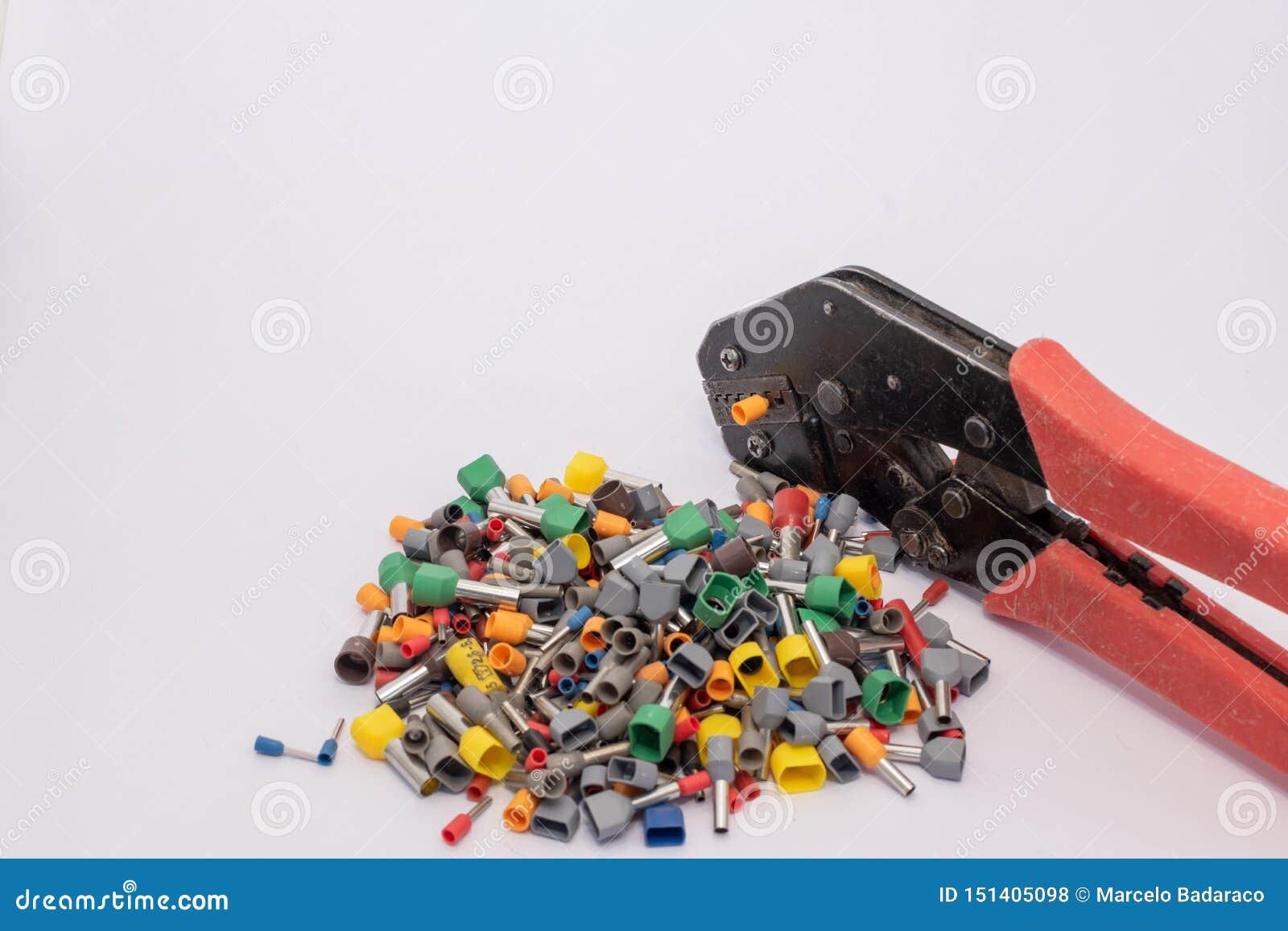 Terminais para condutores elétricos em tamanhos ifferent de d