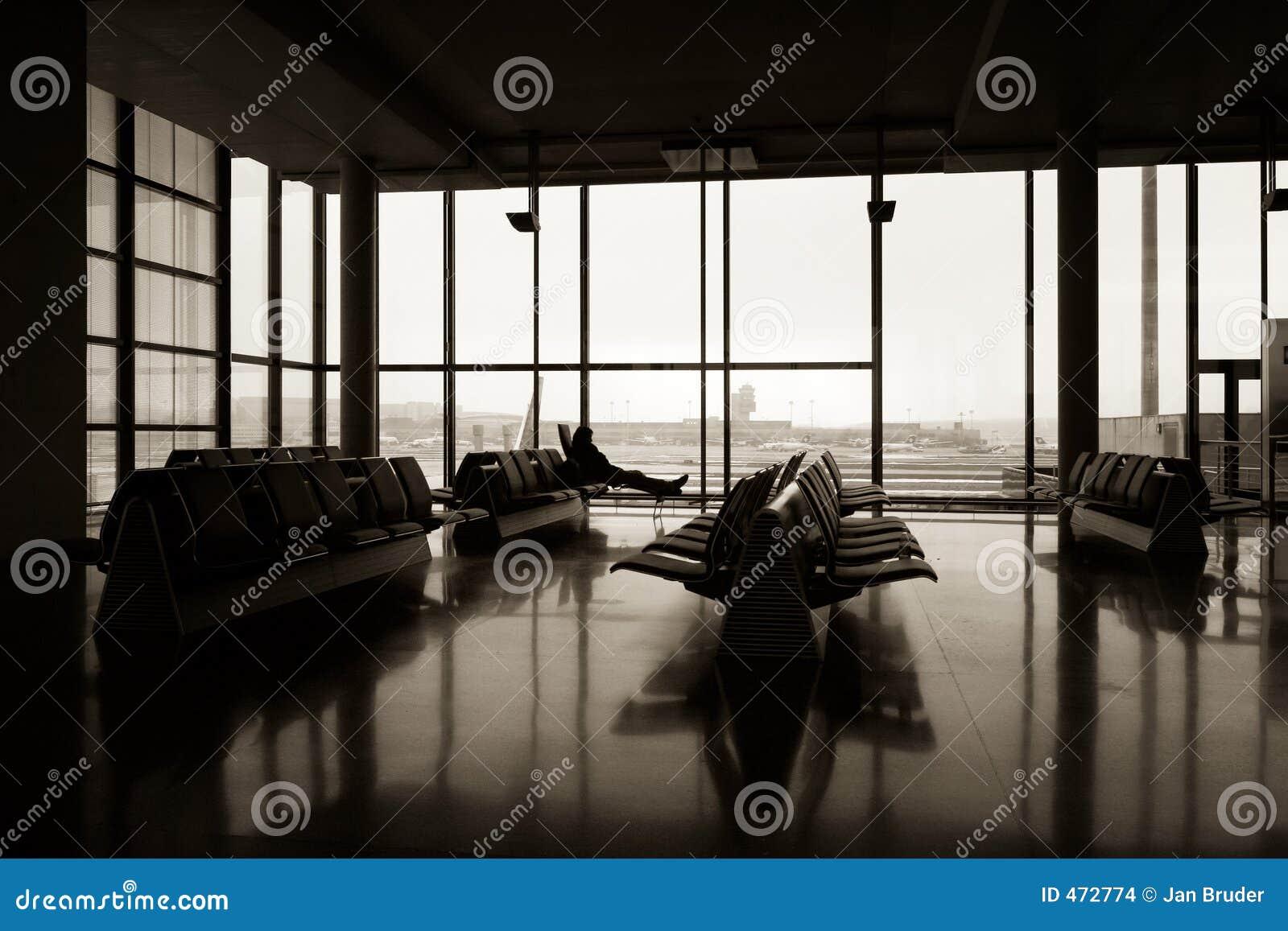 Terminal 2 quad