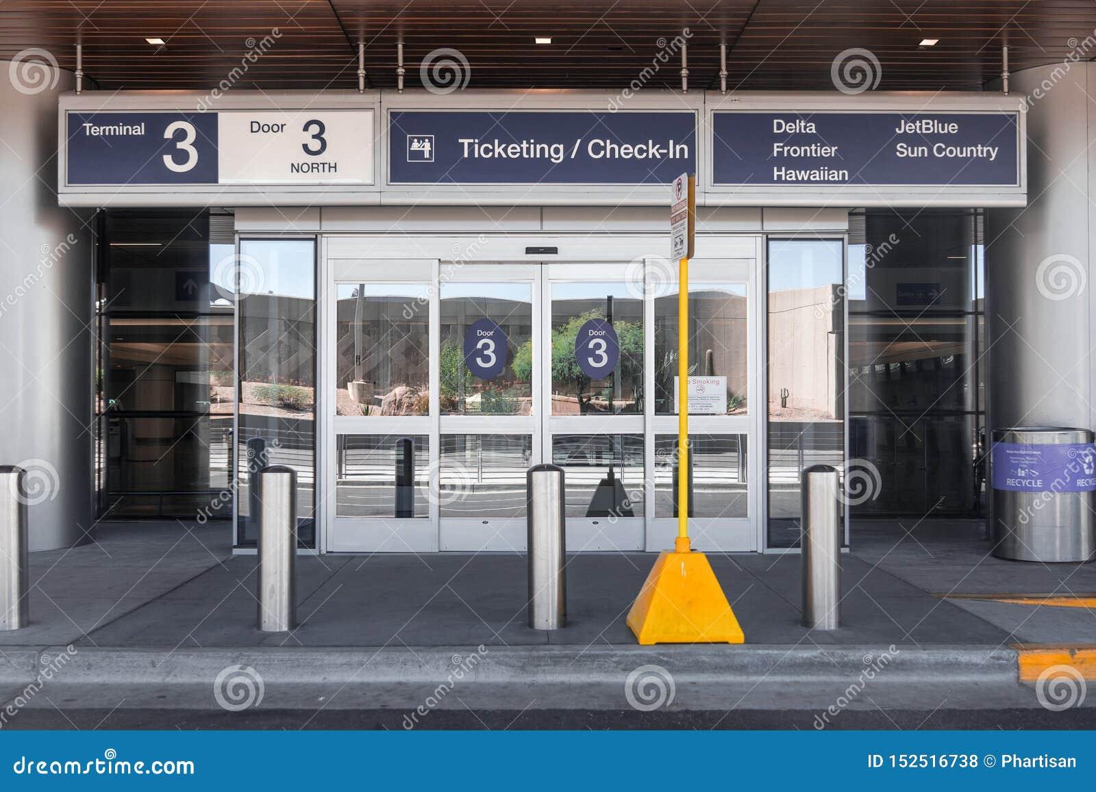 Terminal de aeroporto internacional três do porto do céu de Phoenix