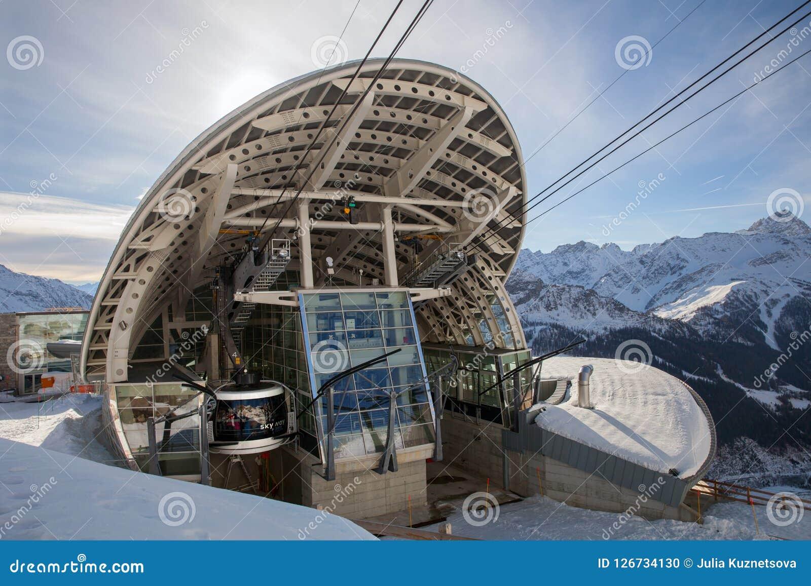 Terminal de la benne suspendue SKYWAY à Mont Blanc