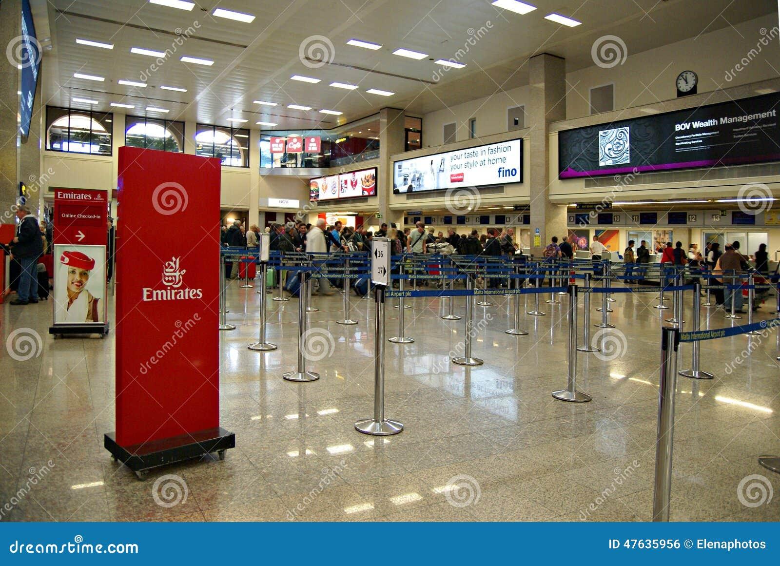 Aeroporto Malta : Terminale dell internazionale aeroporto di malta