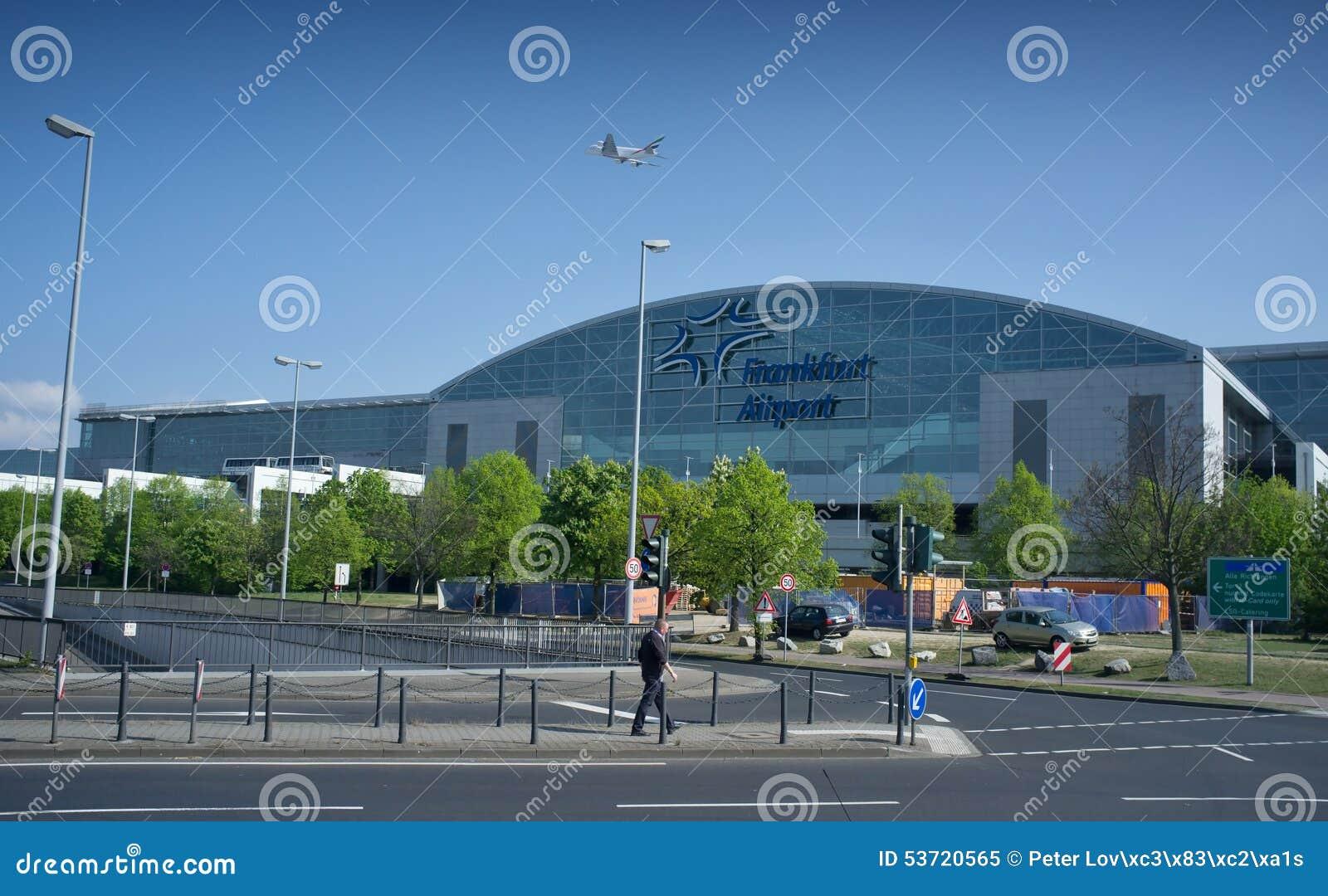 Terminale di aeroporto di Francoforte 2 - costruzione moderna