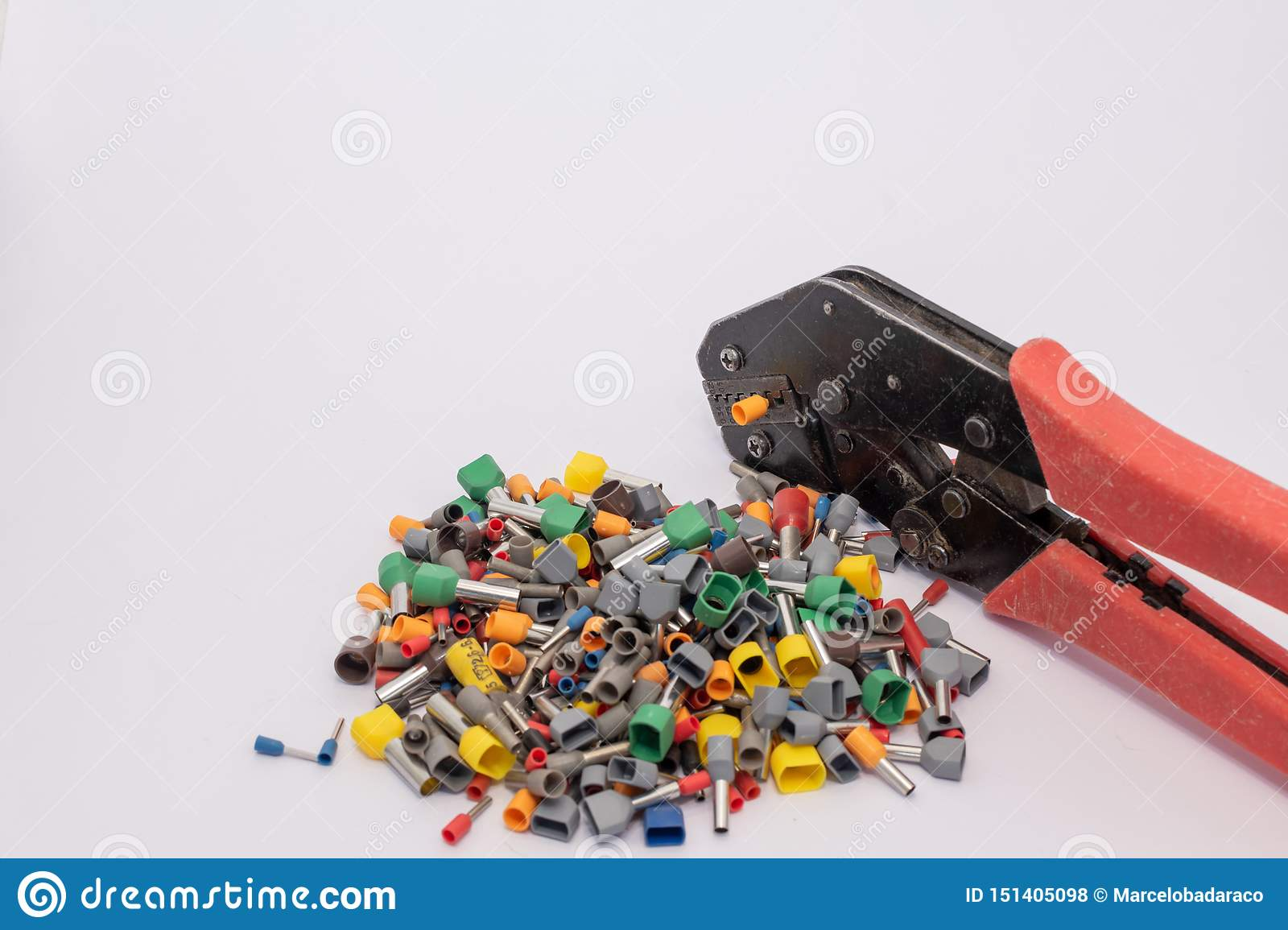 Terminals for electric conductors in d ifferent sizes