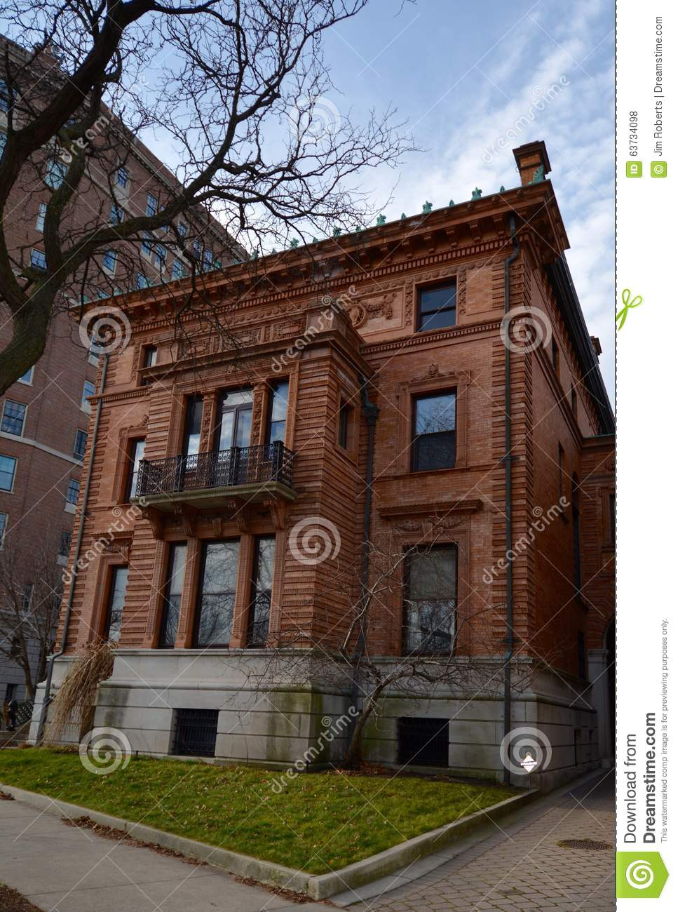 A terra cotta mansion editorial stock photo image 63734098 for Housse illinois