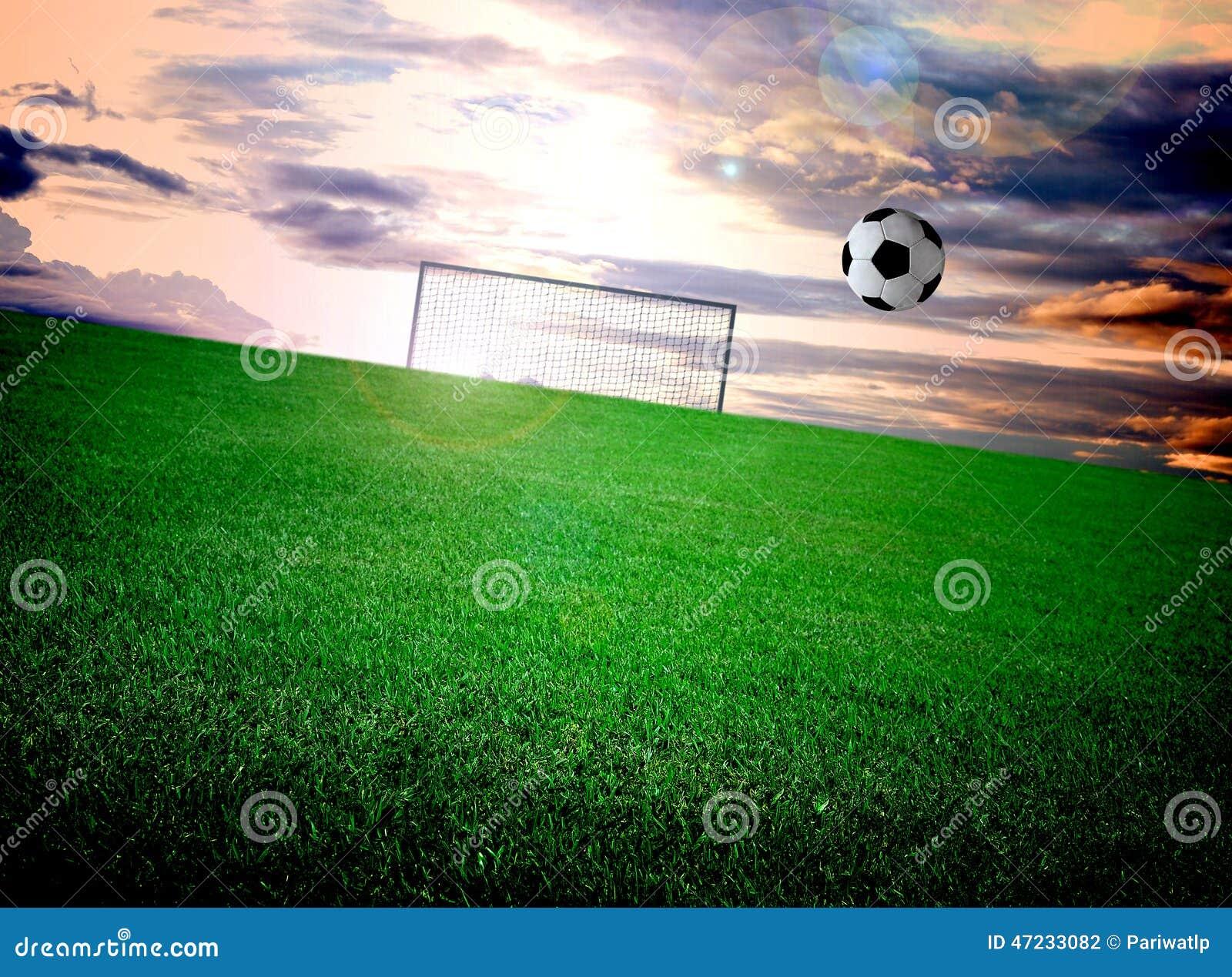 Terrain de football et ciel