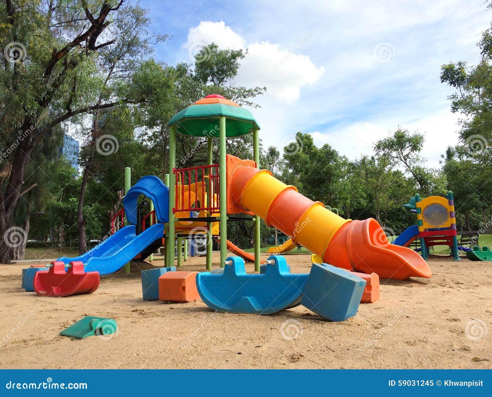 terrain de jeu au parc public image stock image du glisseur playground 59031245. Black Bedroom Furniture Sets. Home Design Ideas