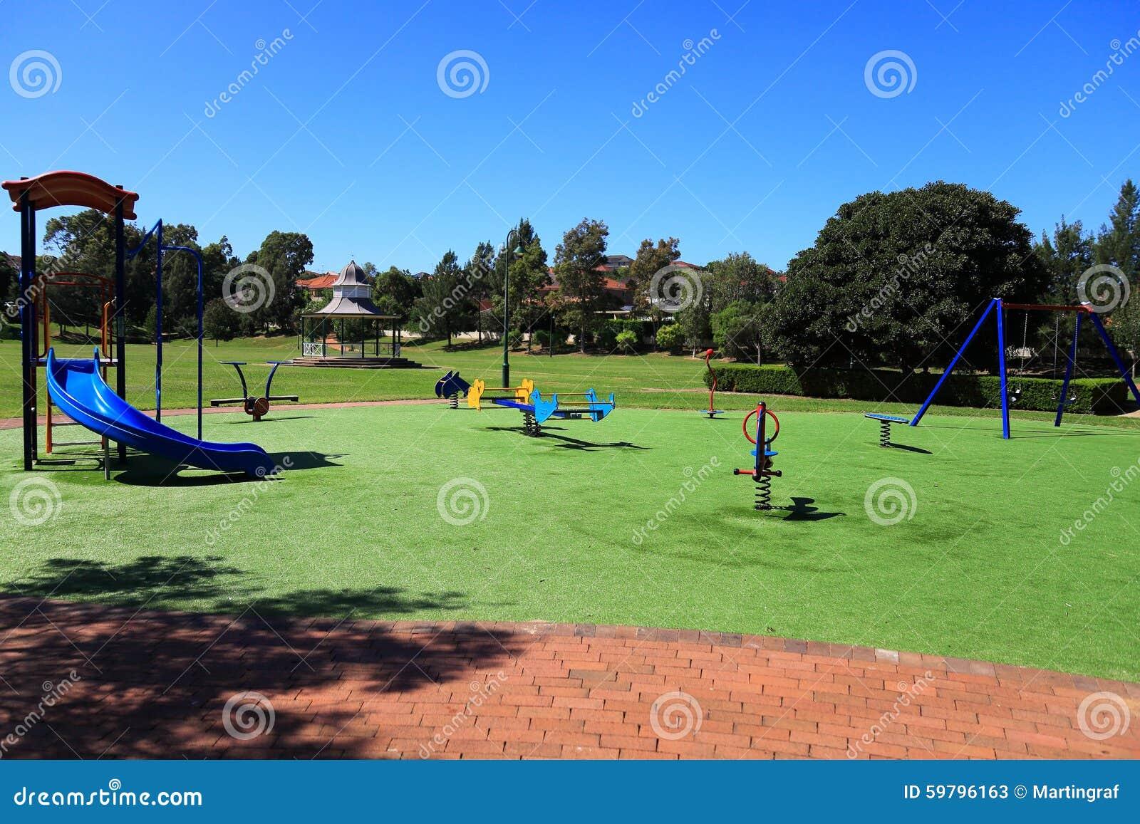 terrain de jeu en parc image stock image du personne 59796163. Black Bedroom Furniture Sets. Home Design Ideas