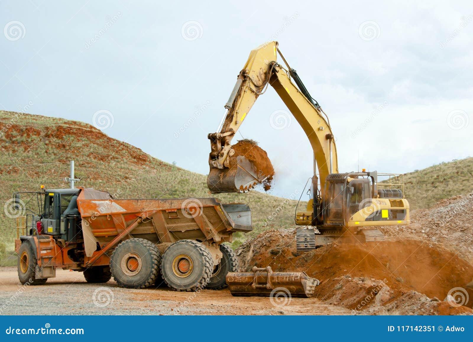 Terraplenagens da maquinaria de mineração