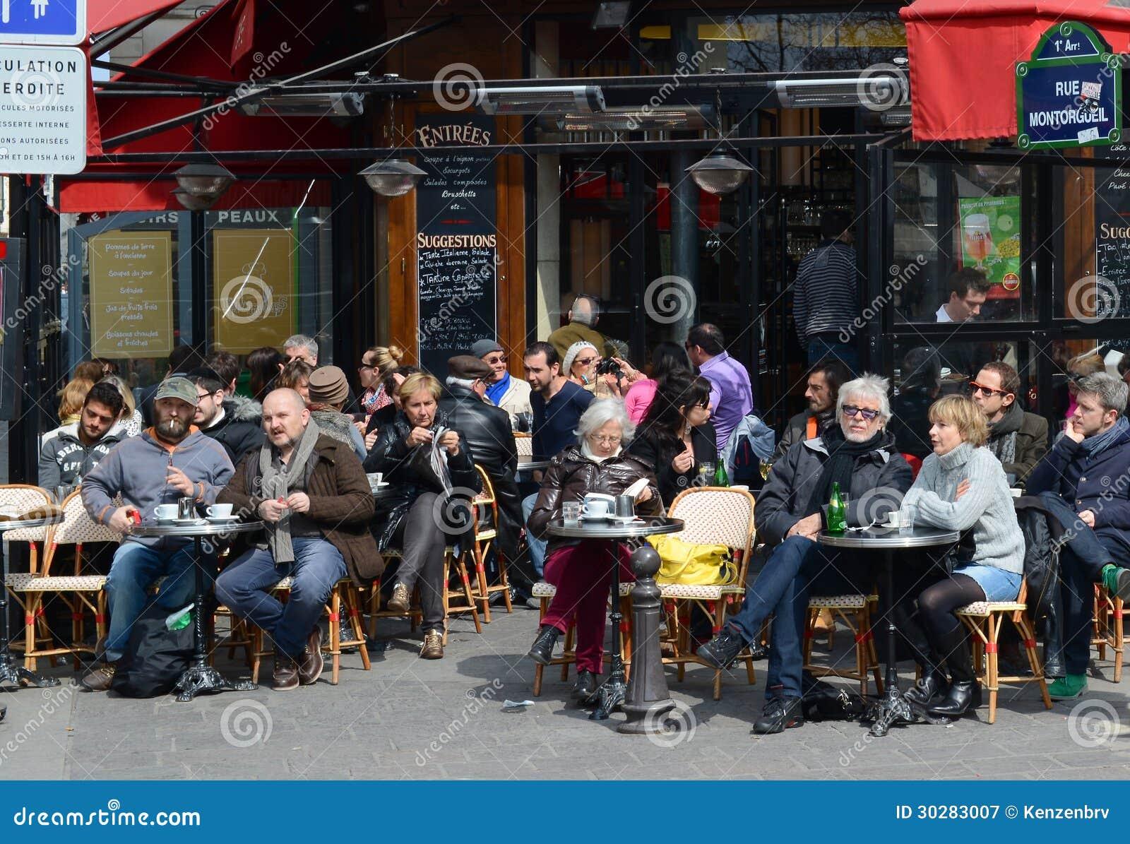 Terrasse Parisienne De Cafe Photographie Editorial Image Du Ayant