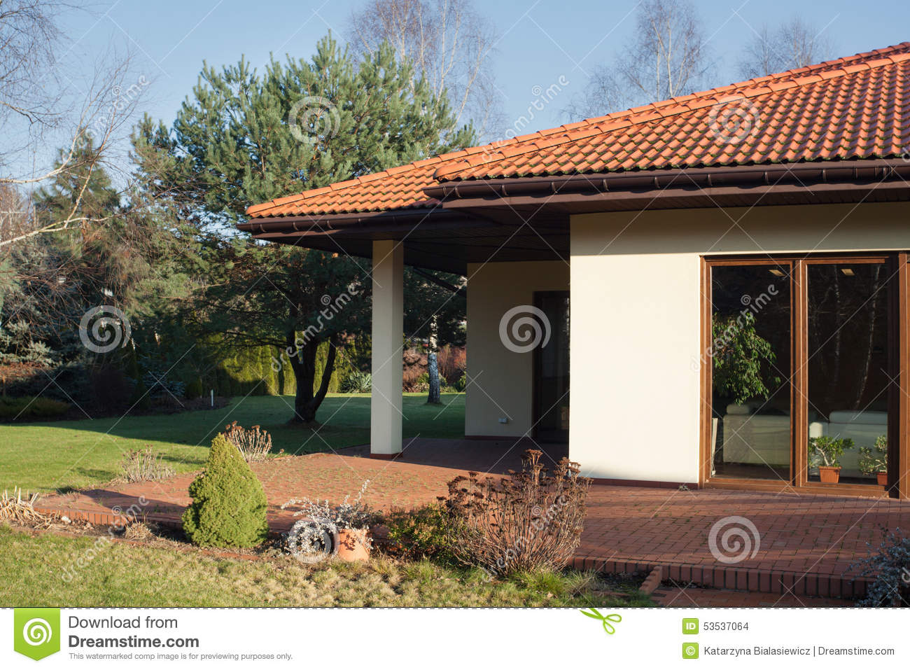 Terrasse De Maison Contemporaine Photo stock - Image du ...
