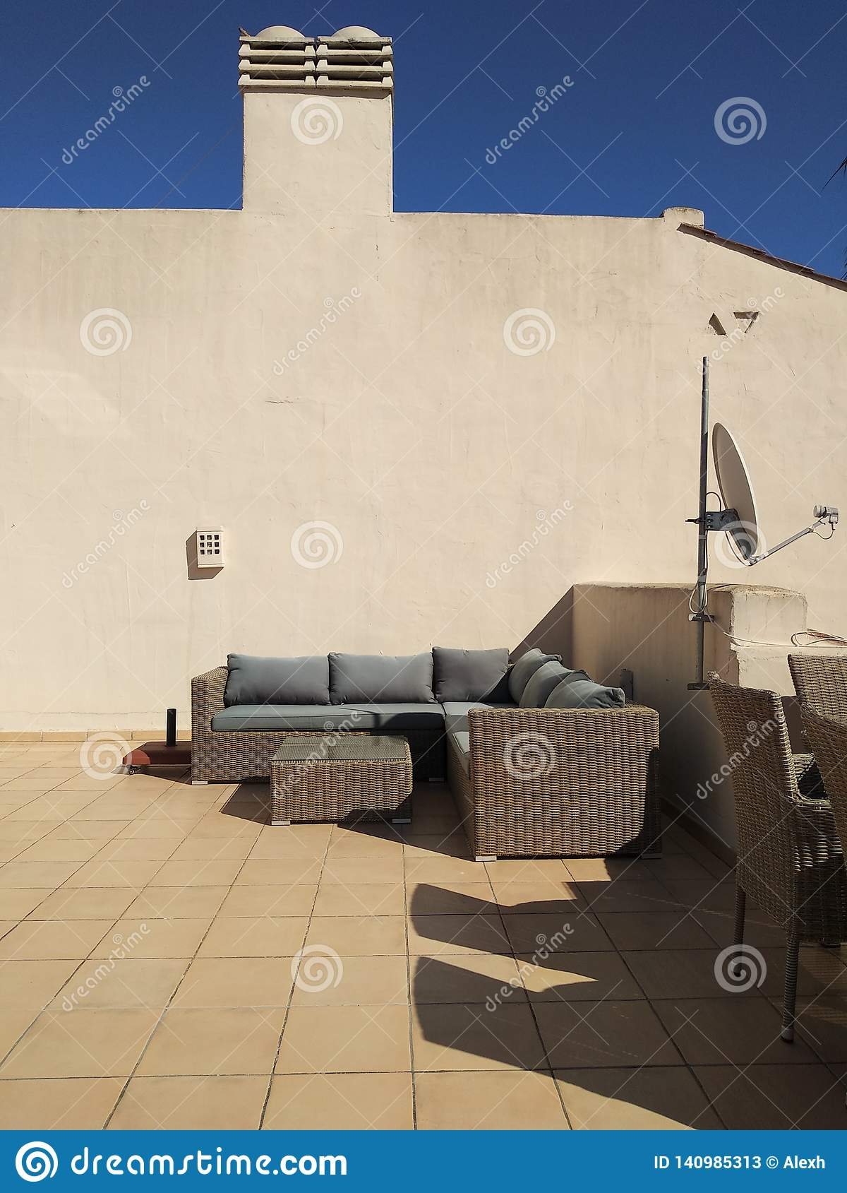 Terrasse du soleil de dessus de toit