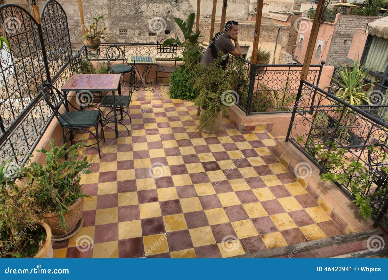 terrasse marocaine typique de toit photo stock image. Black Bedroom Furniture Sets. Home Design Ideas