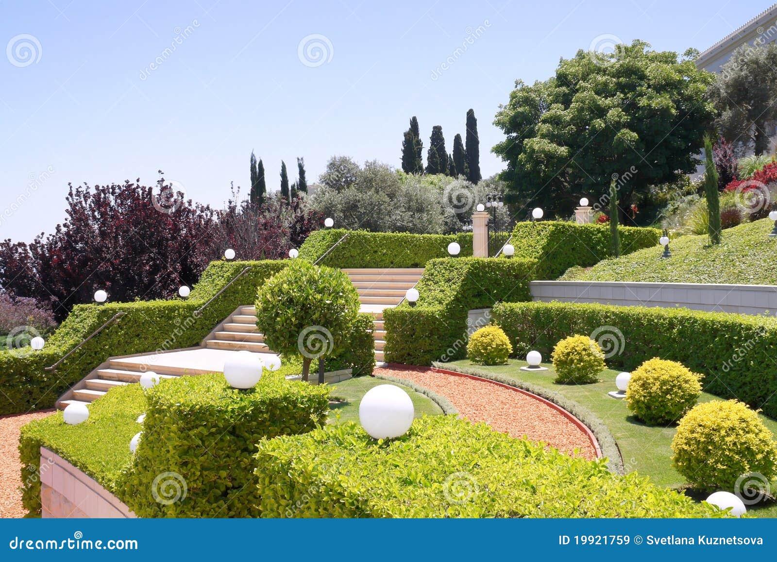 Terrassen van de tuinen bahai isra l royalty vrije stock afbeeldingen beeld 19921759 - Afbeeldingen van terrassen verwachten ...