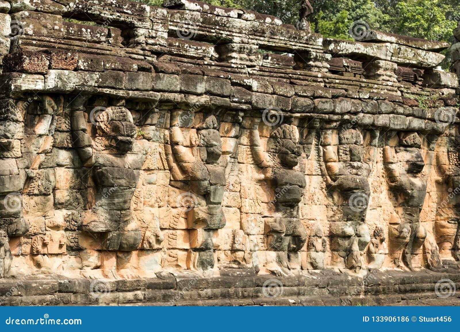 Terraza De Los Elefantes En El Parque Arqueológico De Angkor