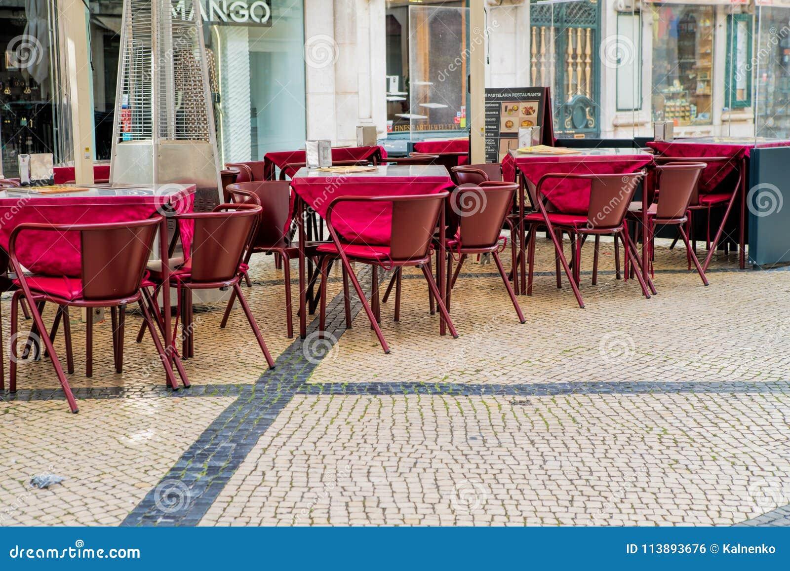 Terraza Del Café En El área Del Pedestria Del Alto Del