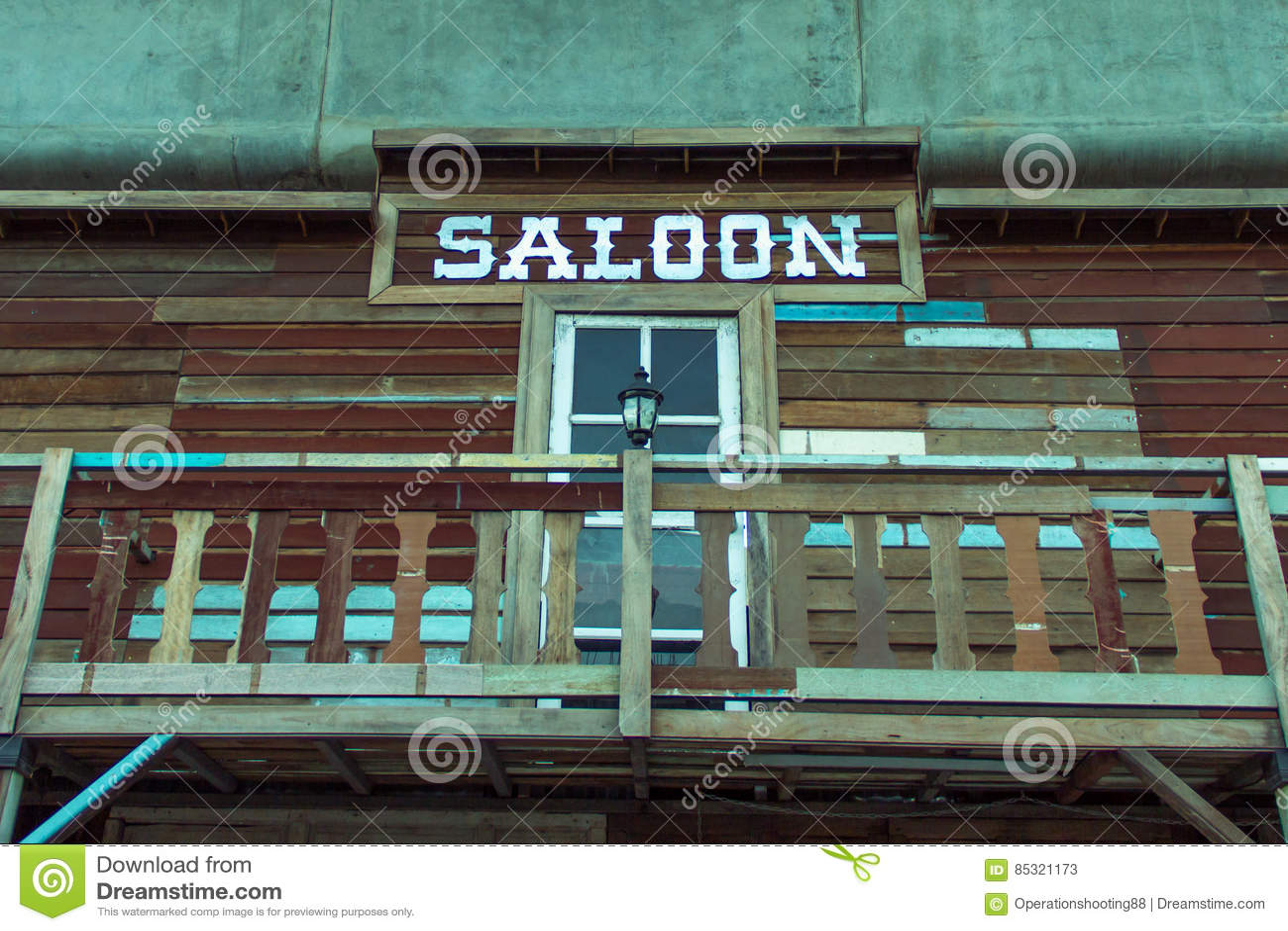 Terraza Del Salón De Las Casas De Madera Viejas Imagen De