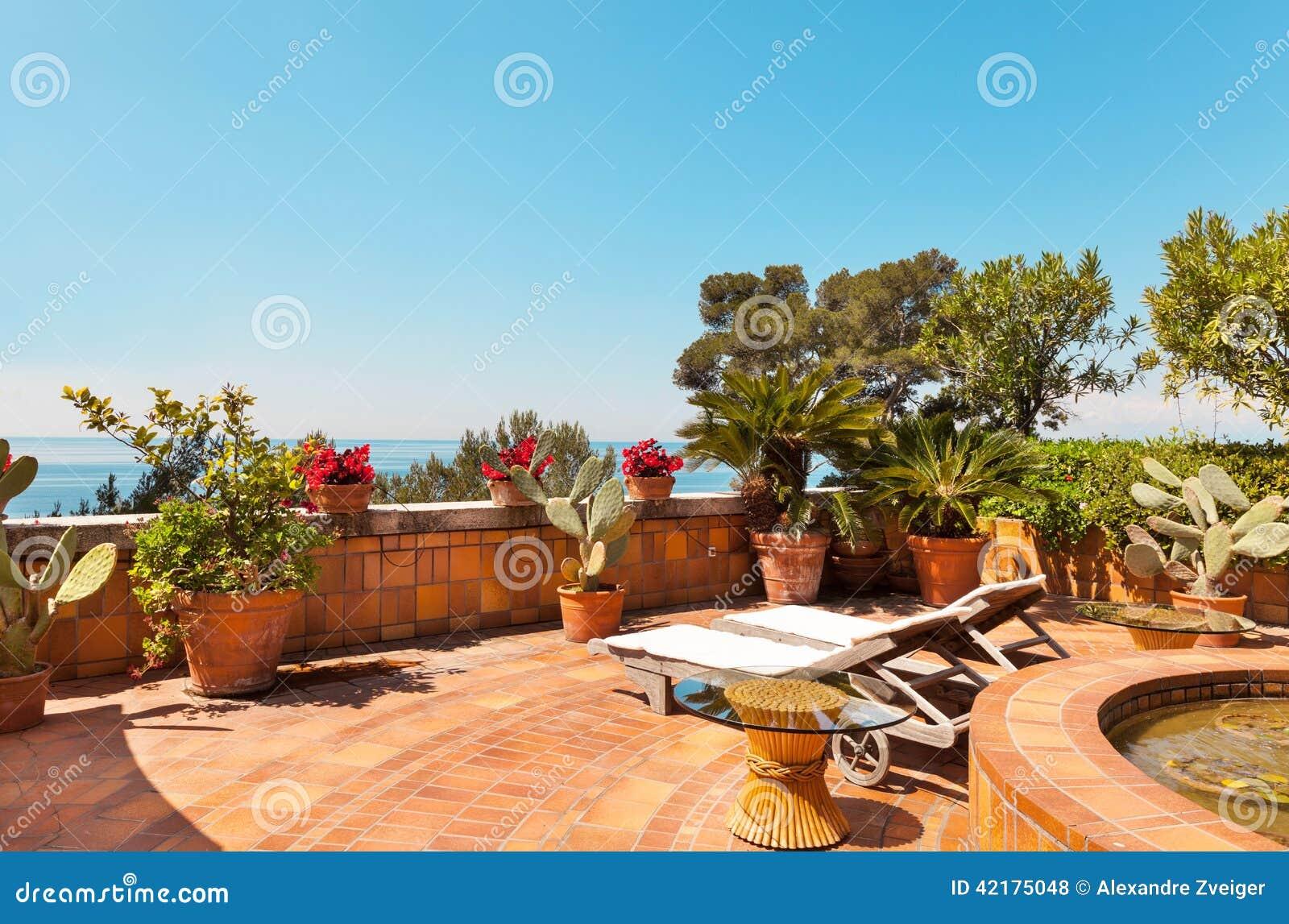 Terraza Hermosa Foto De Archivo Imagen De Cielo Diseño