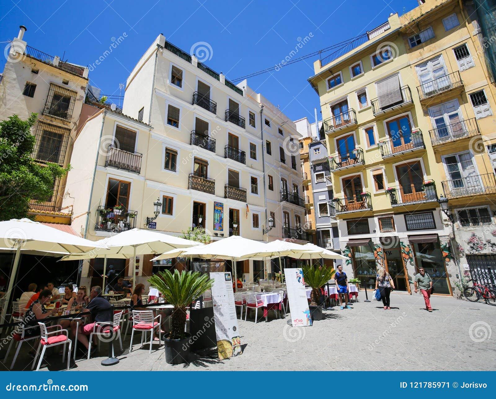 Terrazas En Los Restaurantes En Valencia Foto Editorial