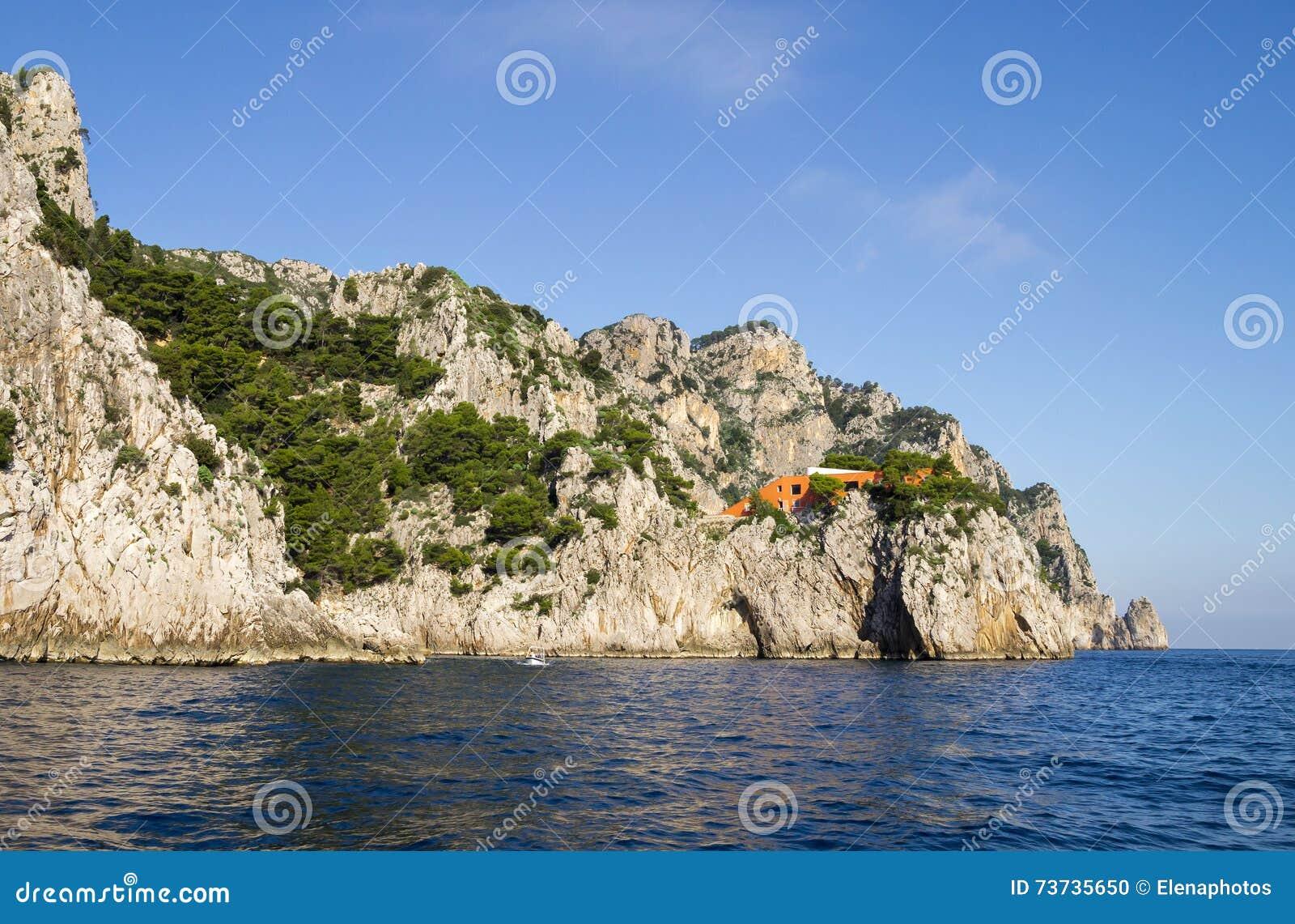 Terrazas Rocosas En La Isla De Capri Foto De Archivo