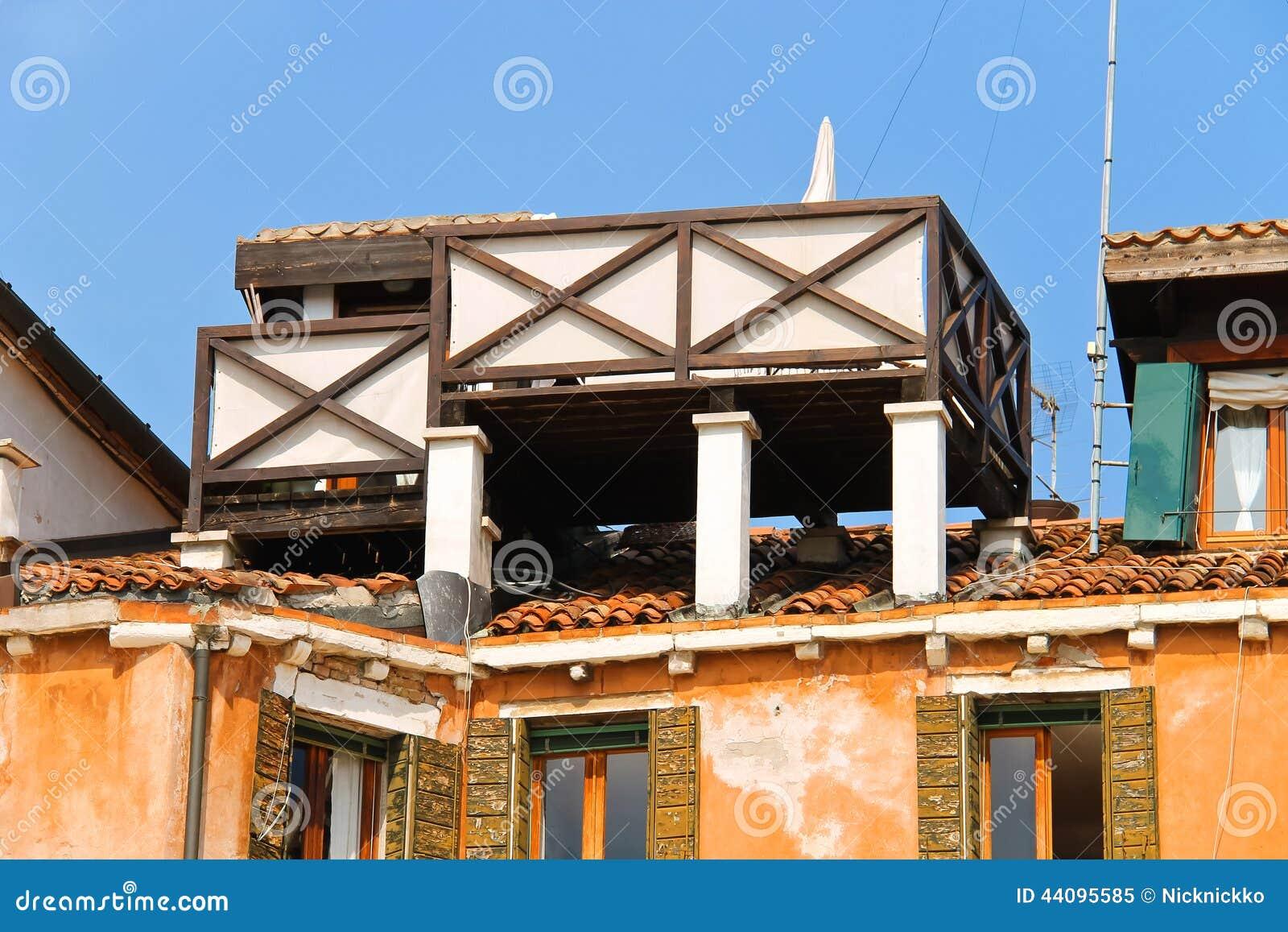 Super Venezia, Terrazzo Sul Tetto Immagine Stock - Immagine: 27182561 GD77