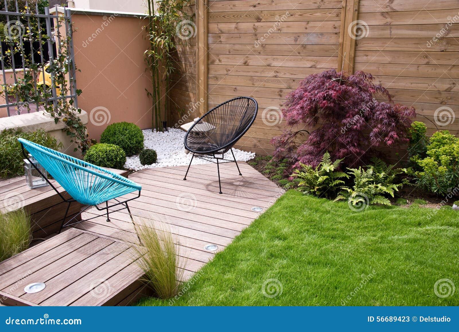 Terrazzo di legno moderno immagine stock immagine di for Terrazzo legno
