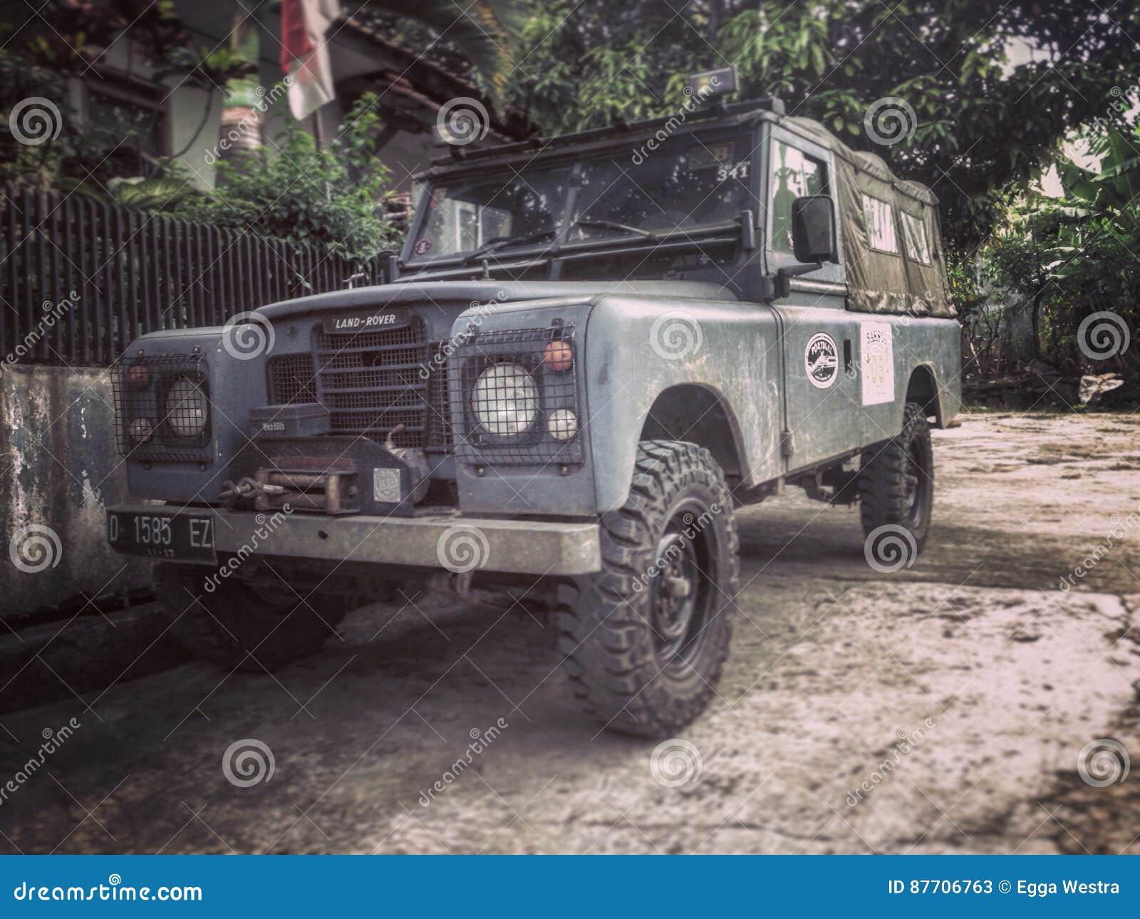 Terre Rover Series III