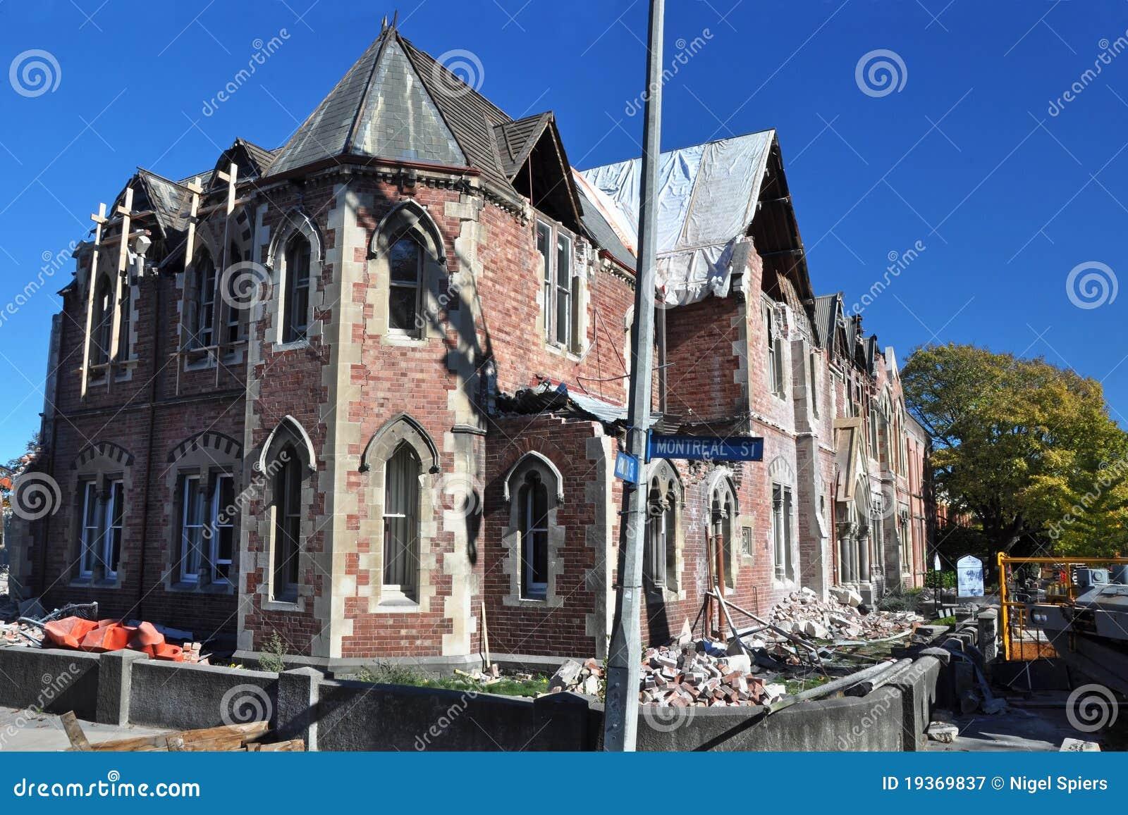 Terremoto de Christchurch - High School das meninas idosas