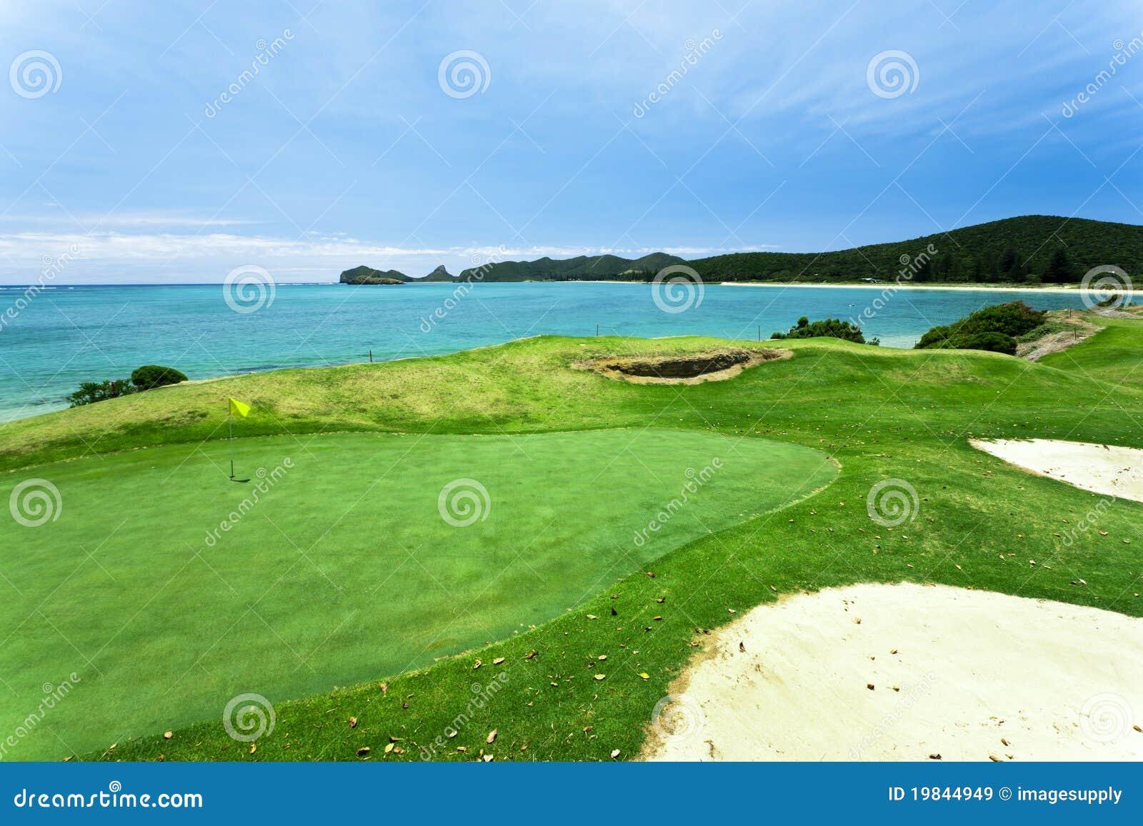 Terreno da golf dal mare