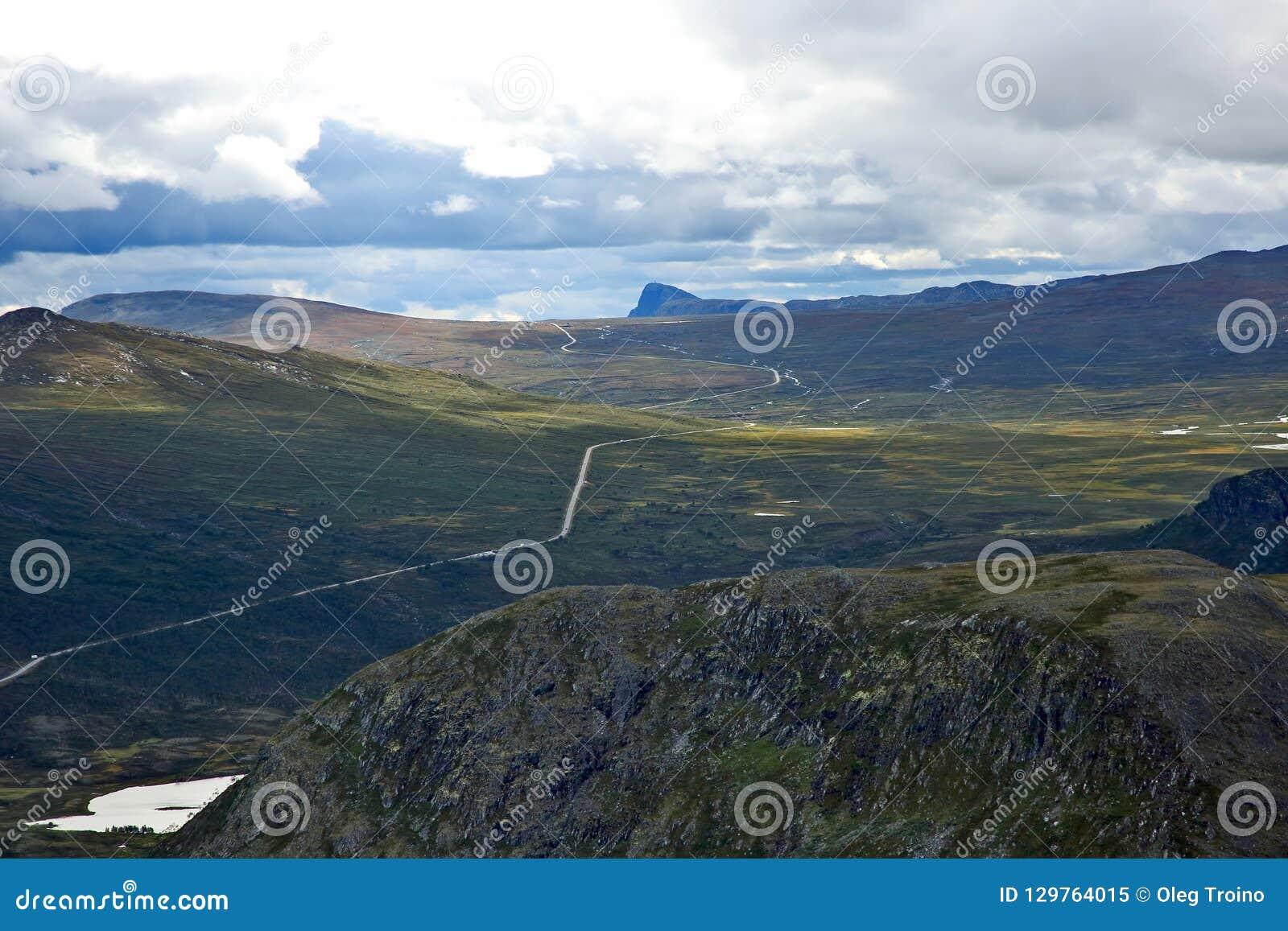 Terreno montanhoso em Noruega Parque nacional de Jotunheimen