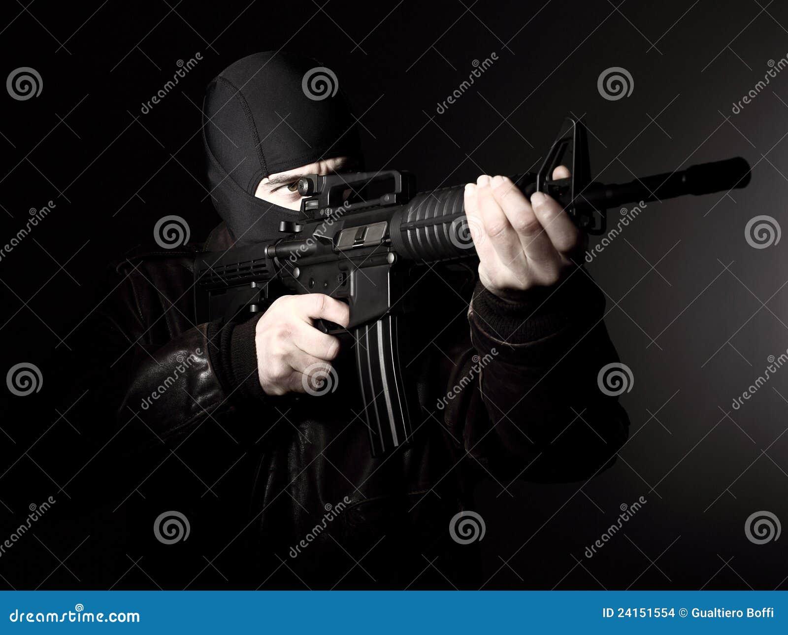 Terroriste avec le fusil