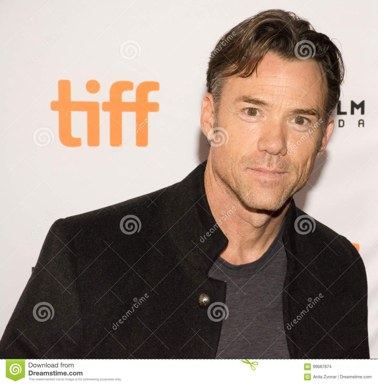 Terry Notary no ` a premier quadrada do ` durante o filme 2017 do International de Toronto