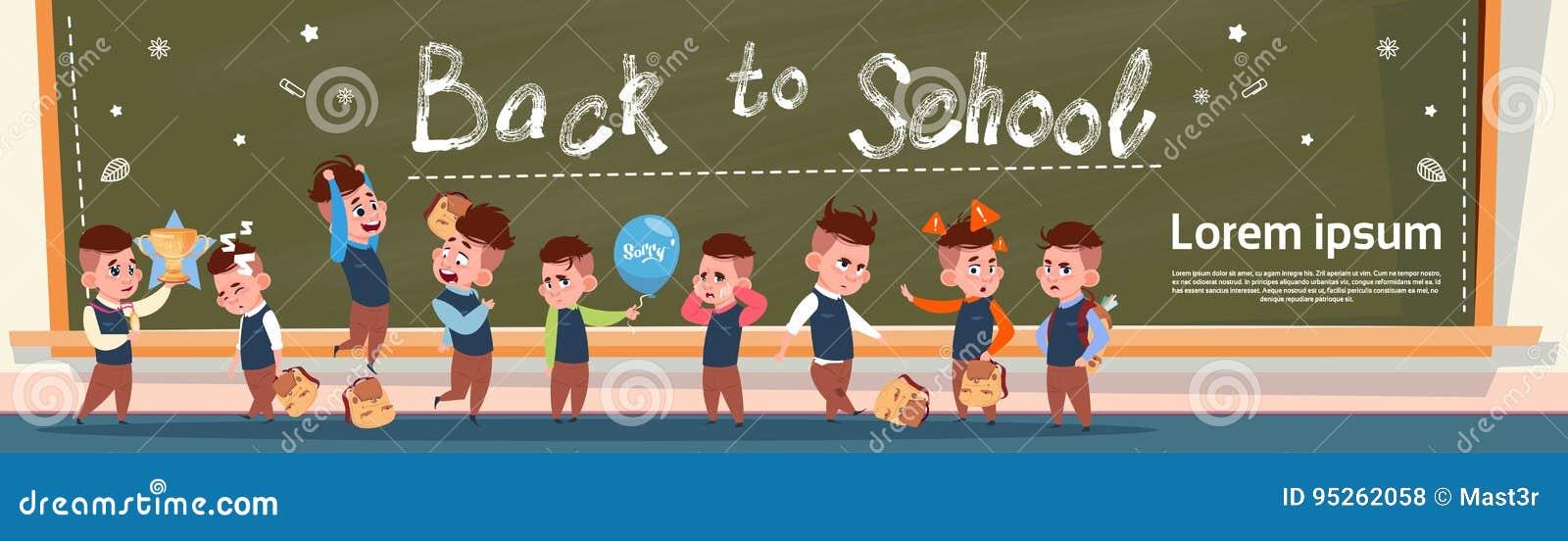 Terug naar Schoolgroep Kleine Leerlingenmeisjes en Jongens die zich over het Schoolmeisje en de Schooljongenonderwijsbanner van d