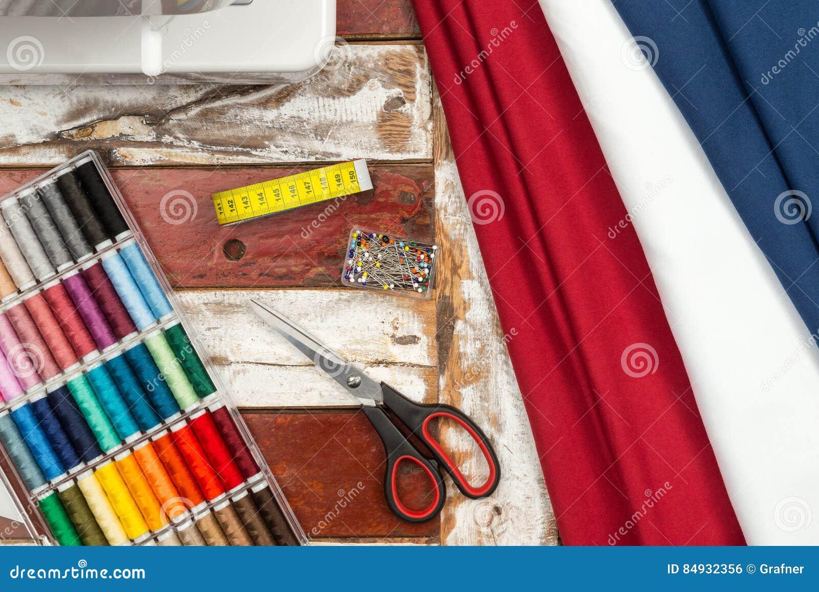 Tessuto ed attrezzatura della macchina per cucire