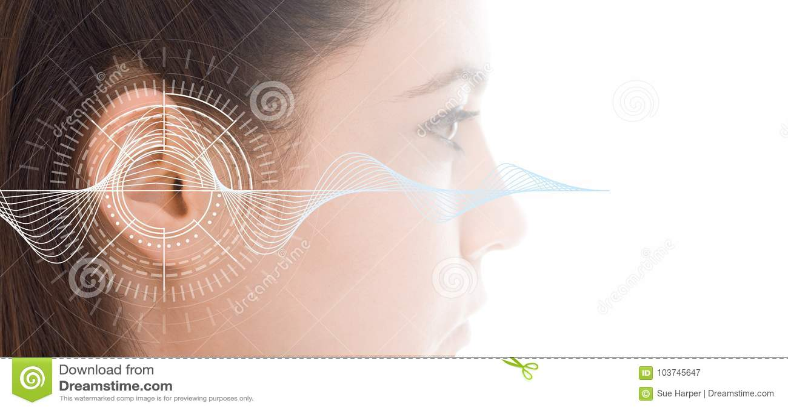 Teste de audição que mostra a orelha da jovem mulher com tecnologia da simulação das ondas sadias