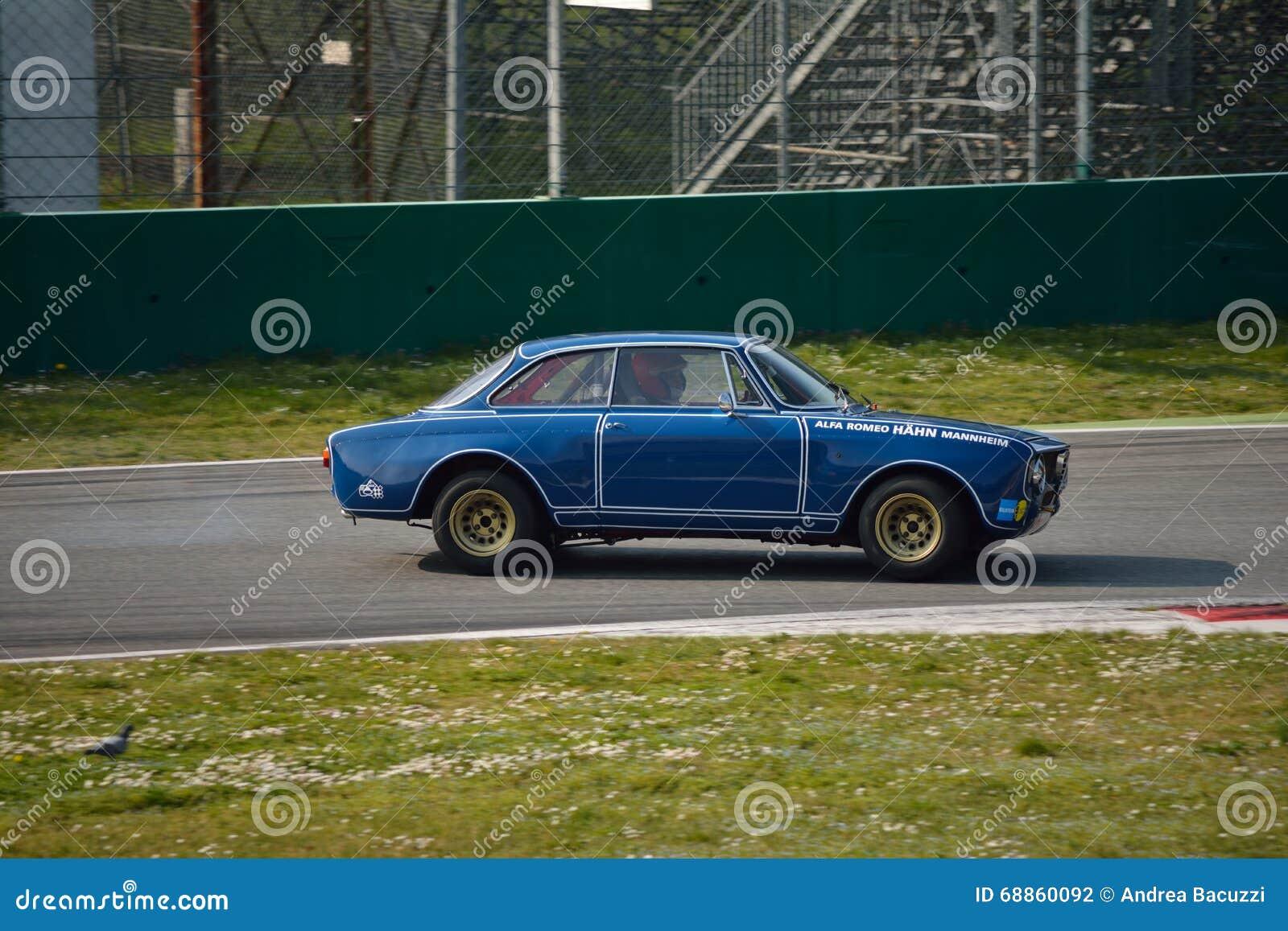 Teste 2016 de Romeo Giulia GTA do alfa em Monza