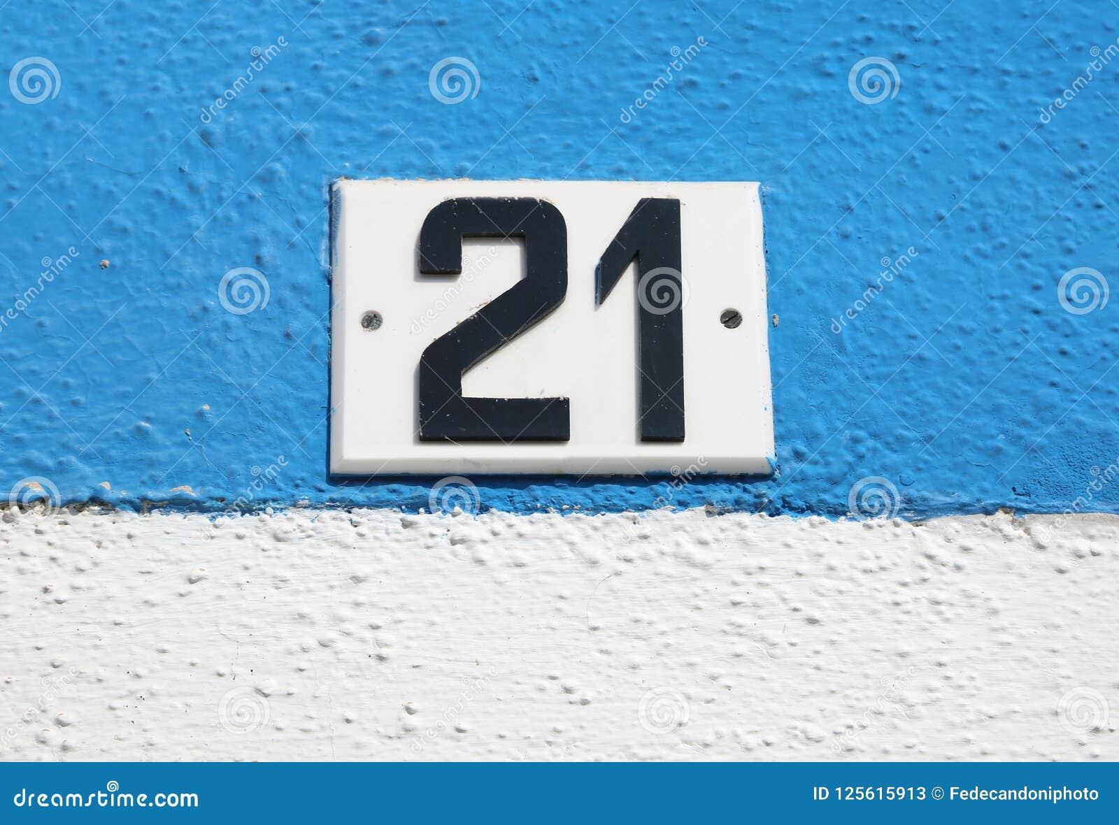 Testo con il grande numero 21