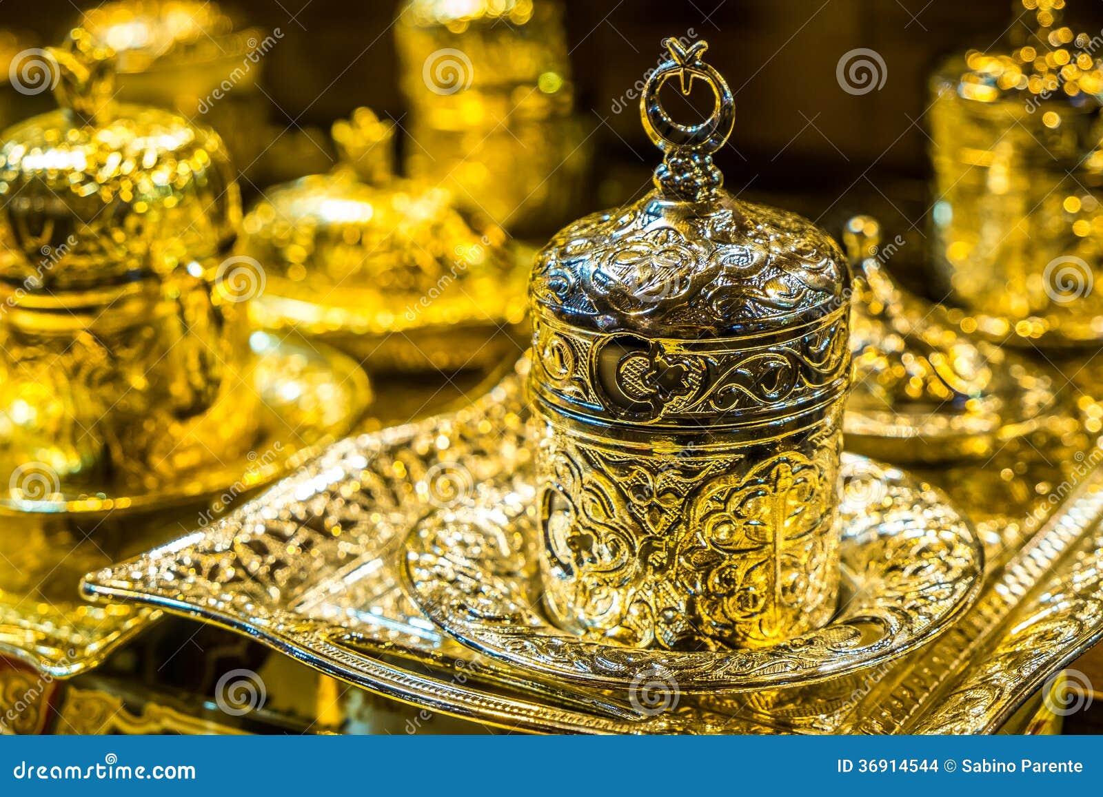 Teteras turcas imagenes de archivo imagen 36914544 for Utensilios de cocina turca