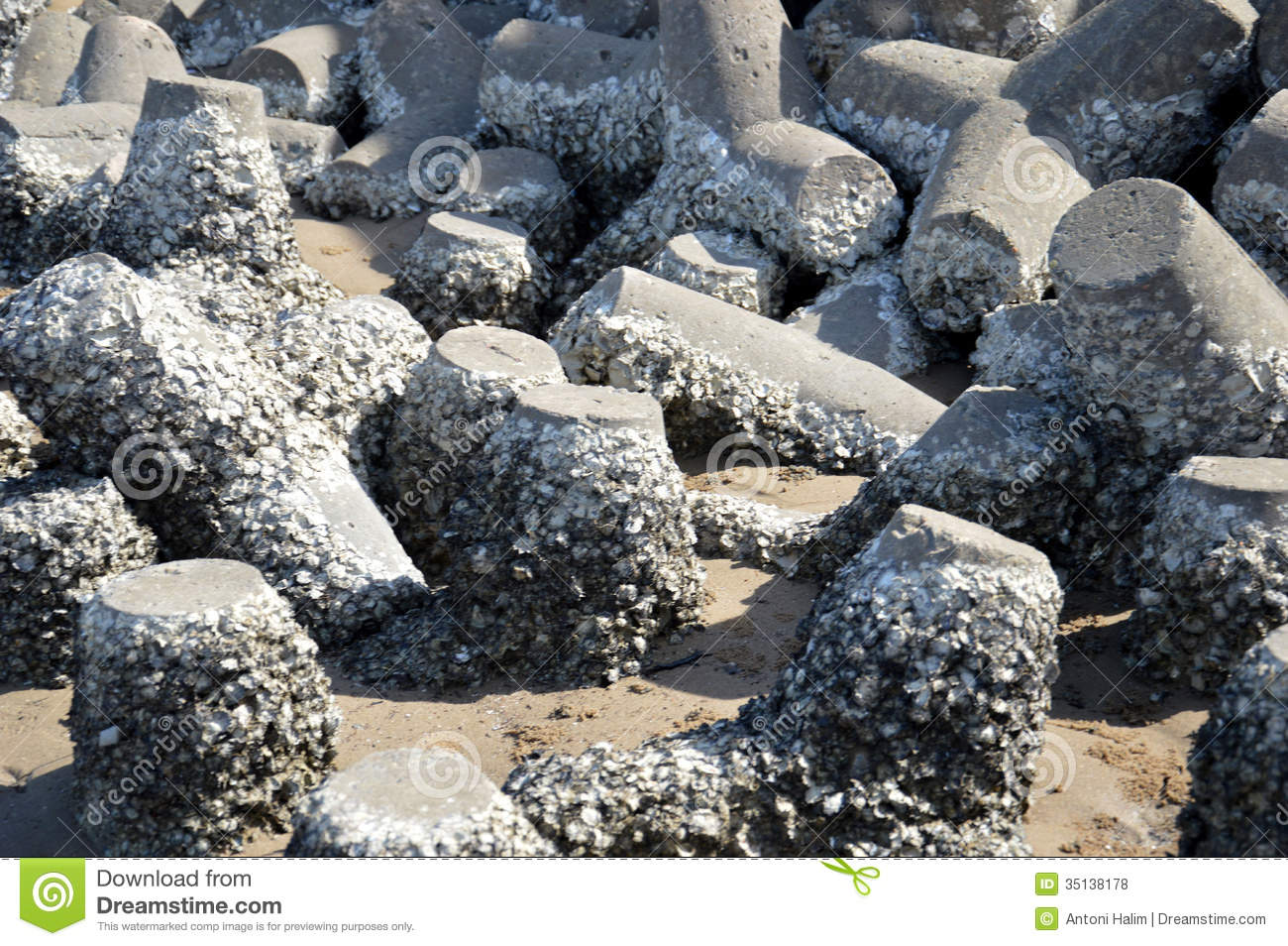 Tetrapods On The Beach Royalty Free Stock Photos Image
