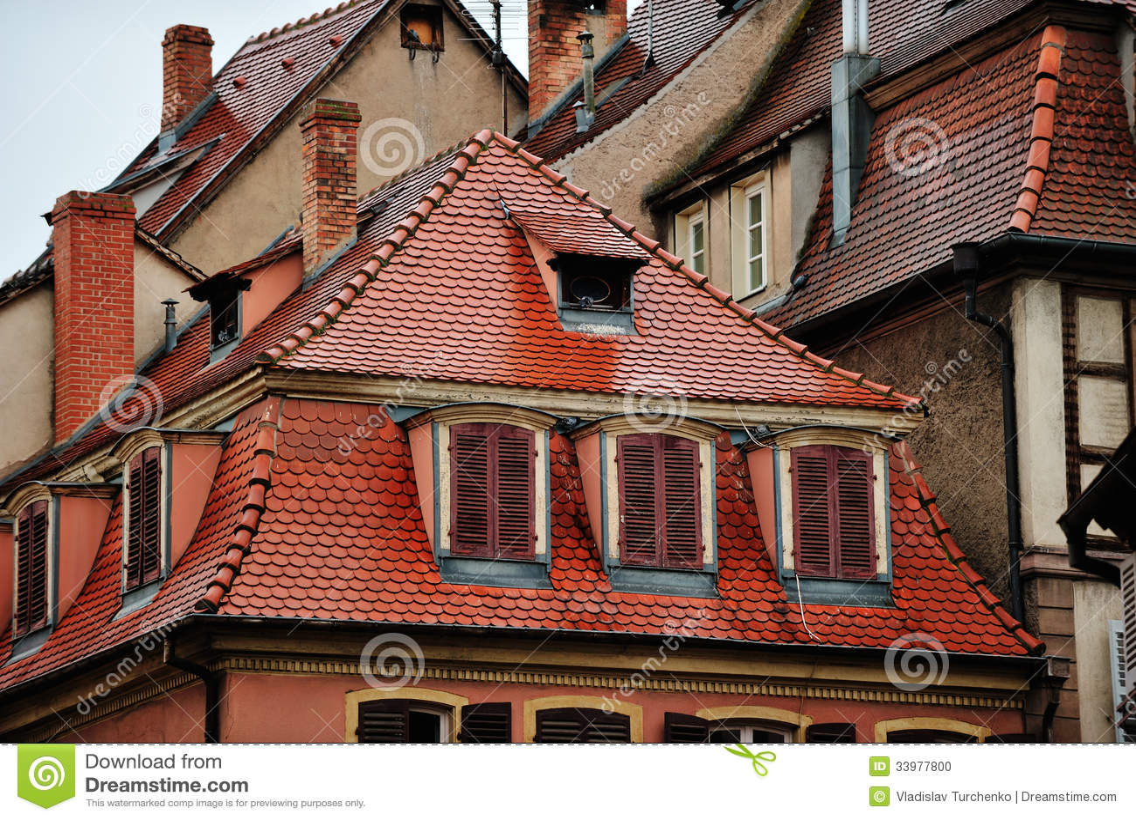 tetti delle case storiche colmar francia fotografia stock immagine di autentico mattonelle. Black Bedroom Furniture Sets. Home Design Ideas