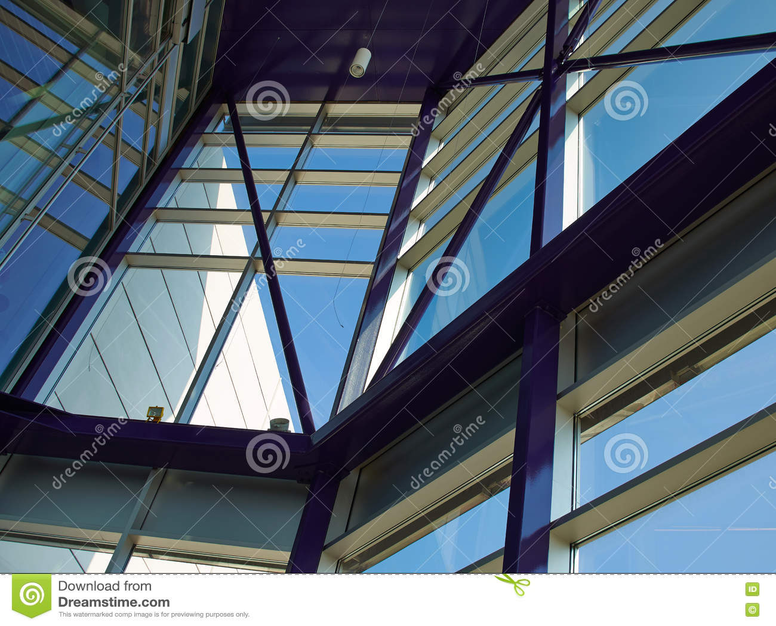 Tetto di vetro di costruzione moderna fotografia stock for Tetto in vetro prezzi