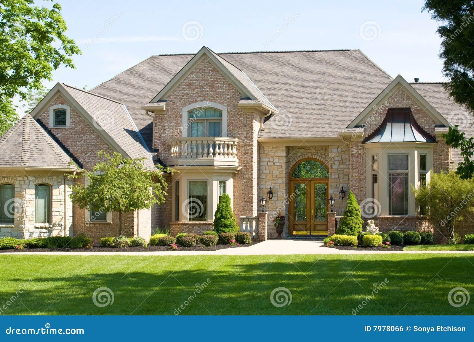 Teures Haus stockfoto. Bild von tür, zeitgenössisch, prestige - 7978066