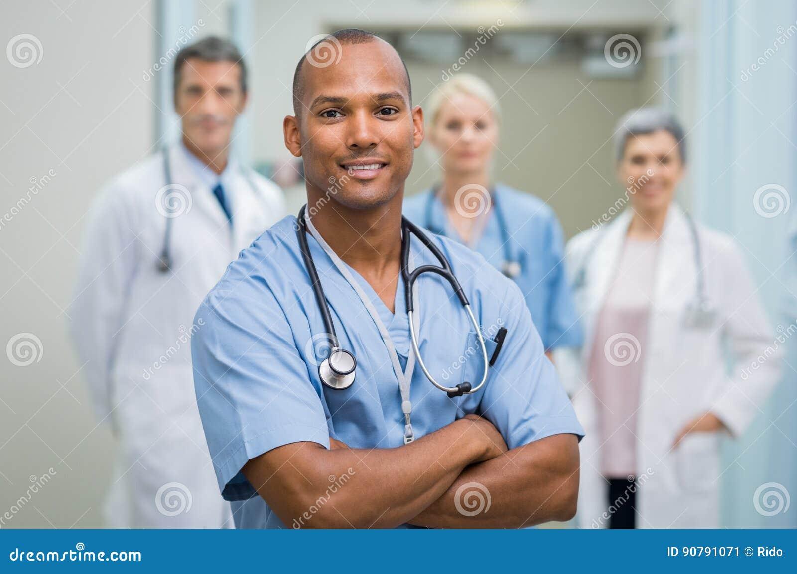 Tevreden verpleger