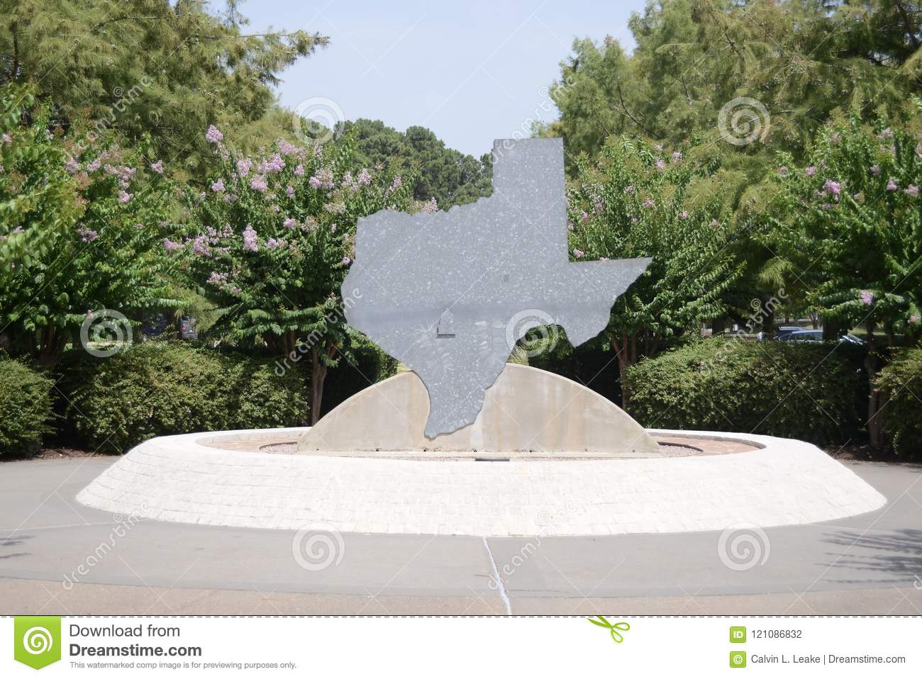 Texas Welcome Center Statue