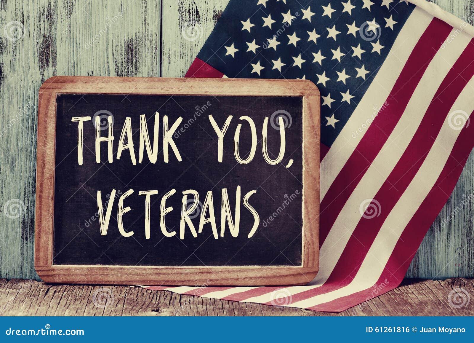 Text tackar dig veteran i en svart tavla och flaggan av USA